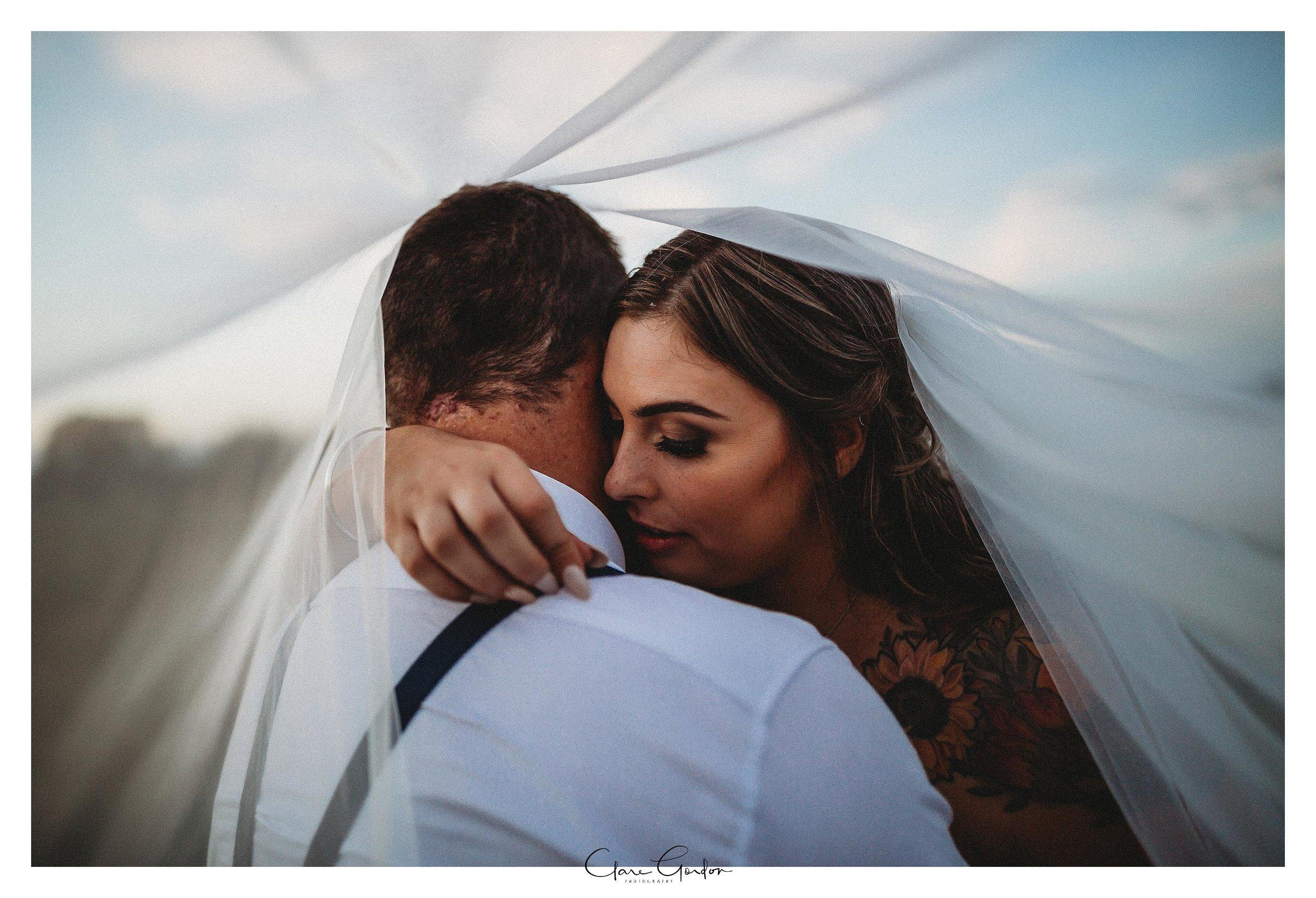 Bride-and-groom-photo-viel
