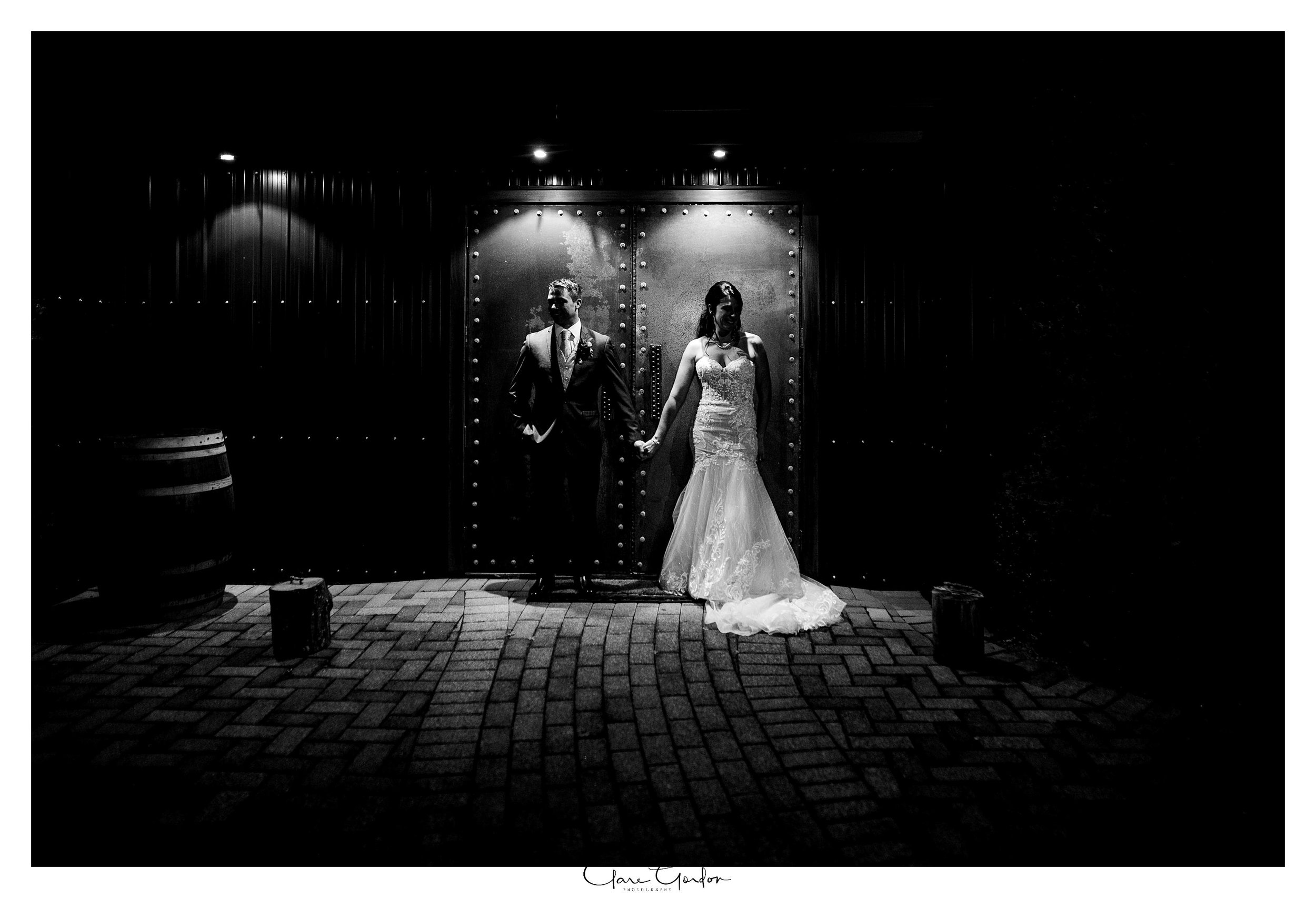 Eagle-ridge-wedding-photo-bride-and-groom-at-night