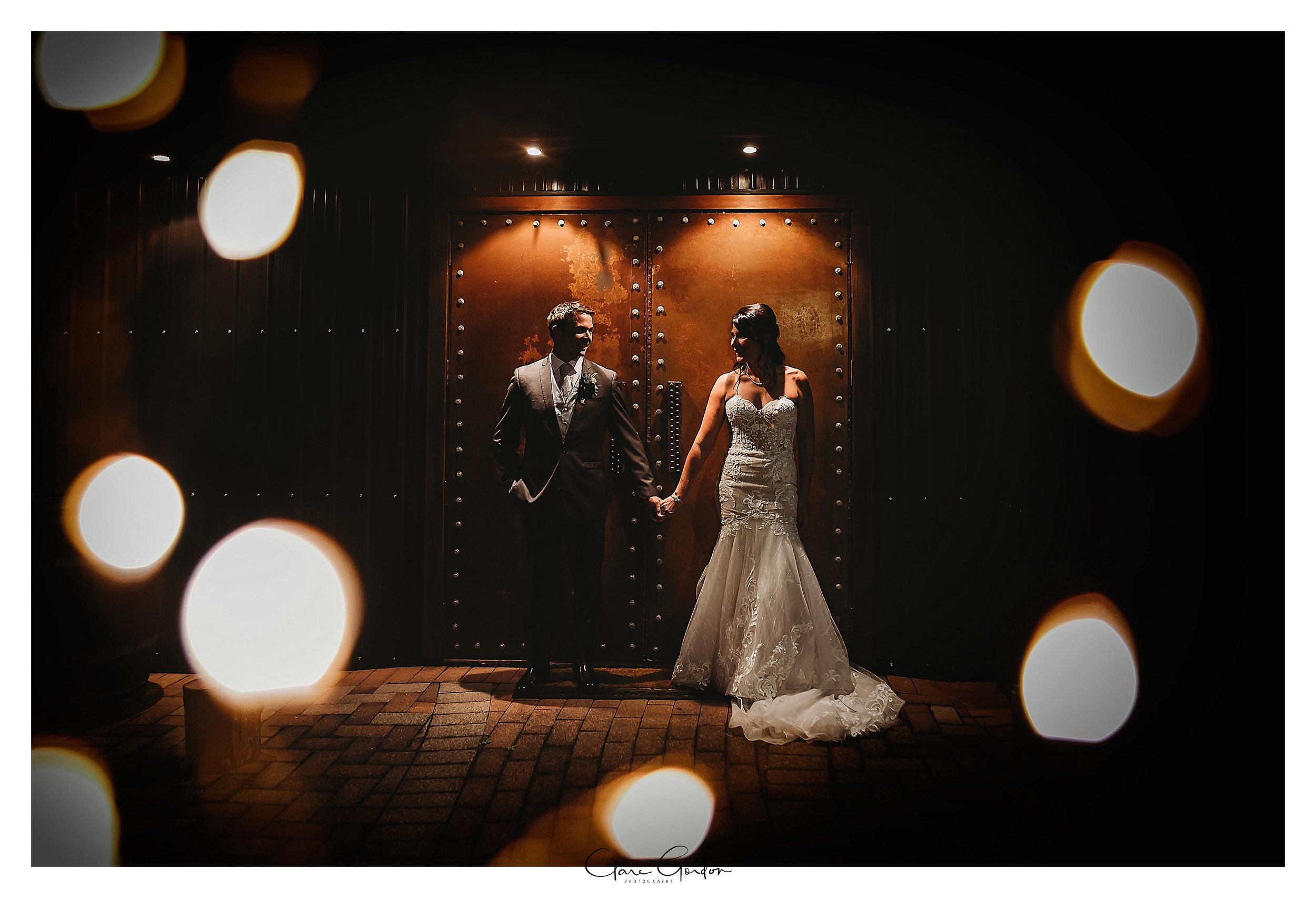 Eagles-Ridge-Tauranga-Bride-and-groom-wedding-photo-at-night.jpg