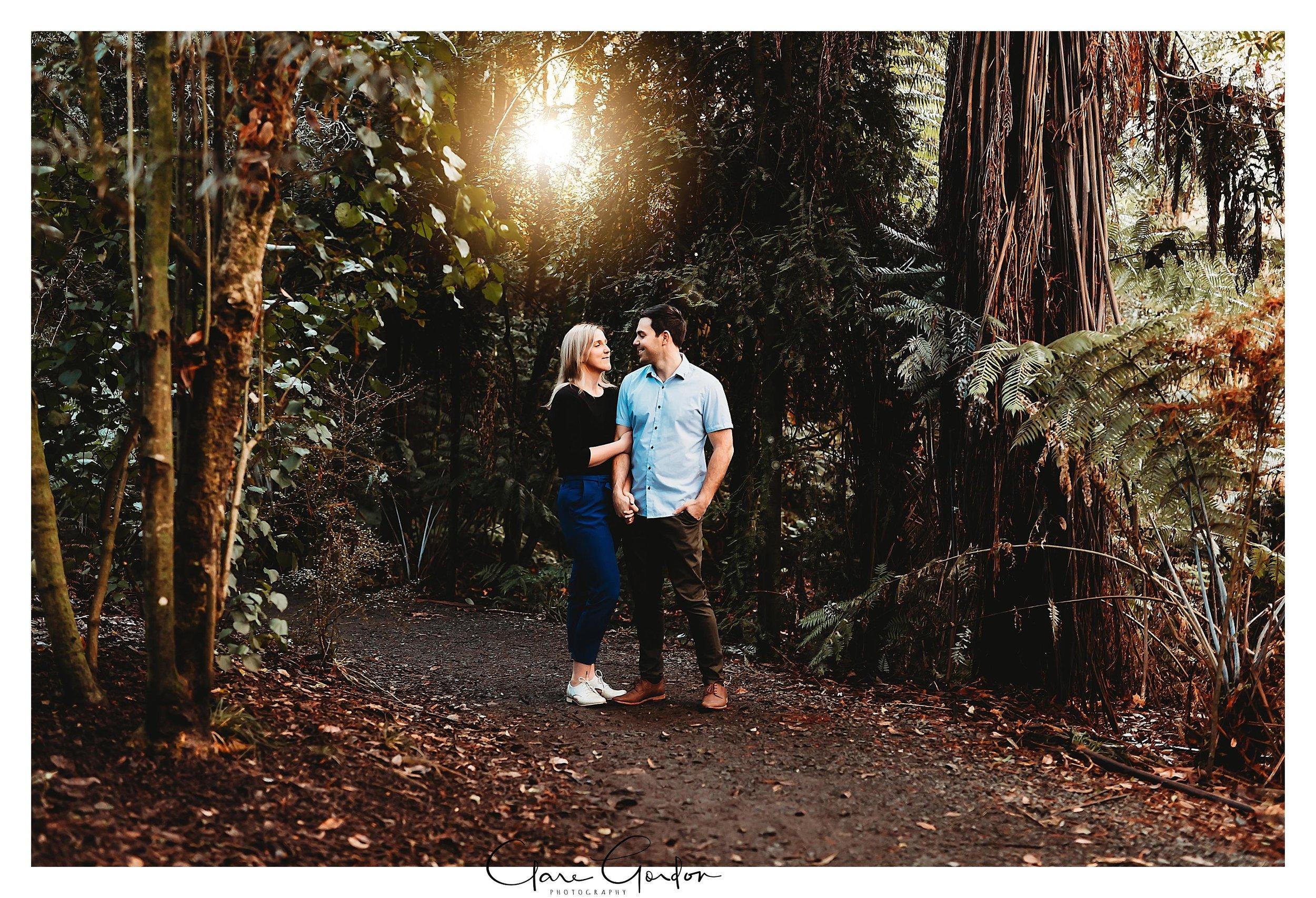 Waikato-engagement-photos-sunset-clare-gordon-photography-couple-hugging (6).jpg