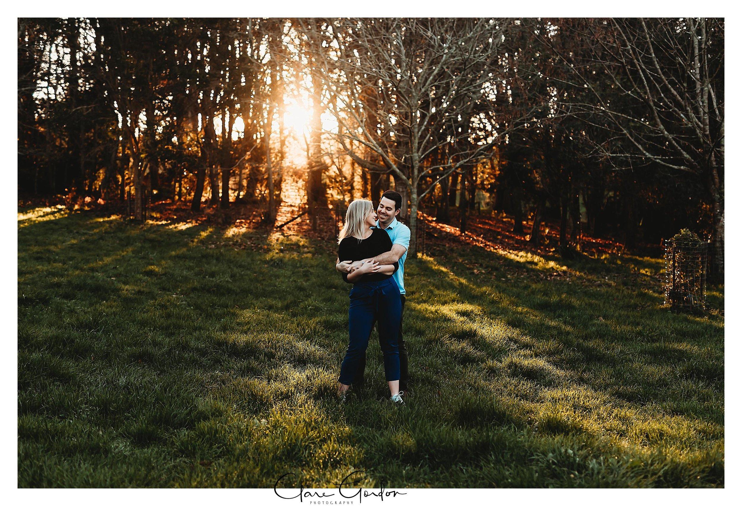 Waikato-engagement-photos-sunset-clare-gordon-photography-couple-hugging (9).jpg