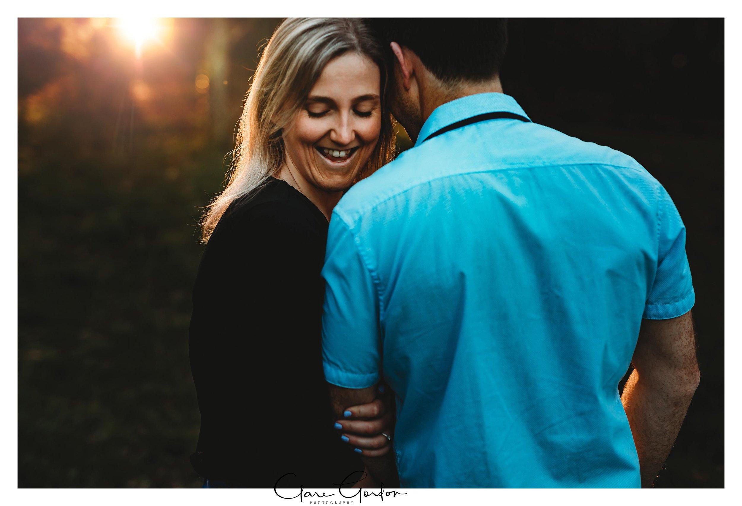Waikato-engagement-photos-sunset-clare-gordon-photography-couple-hugging (11).jpg