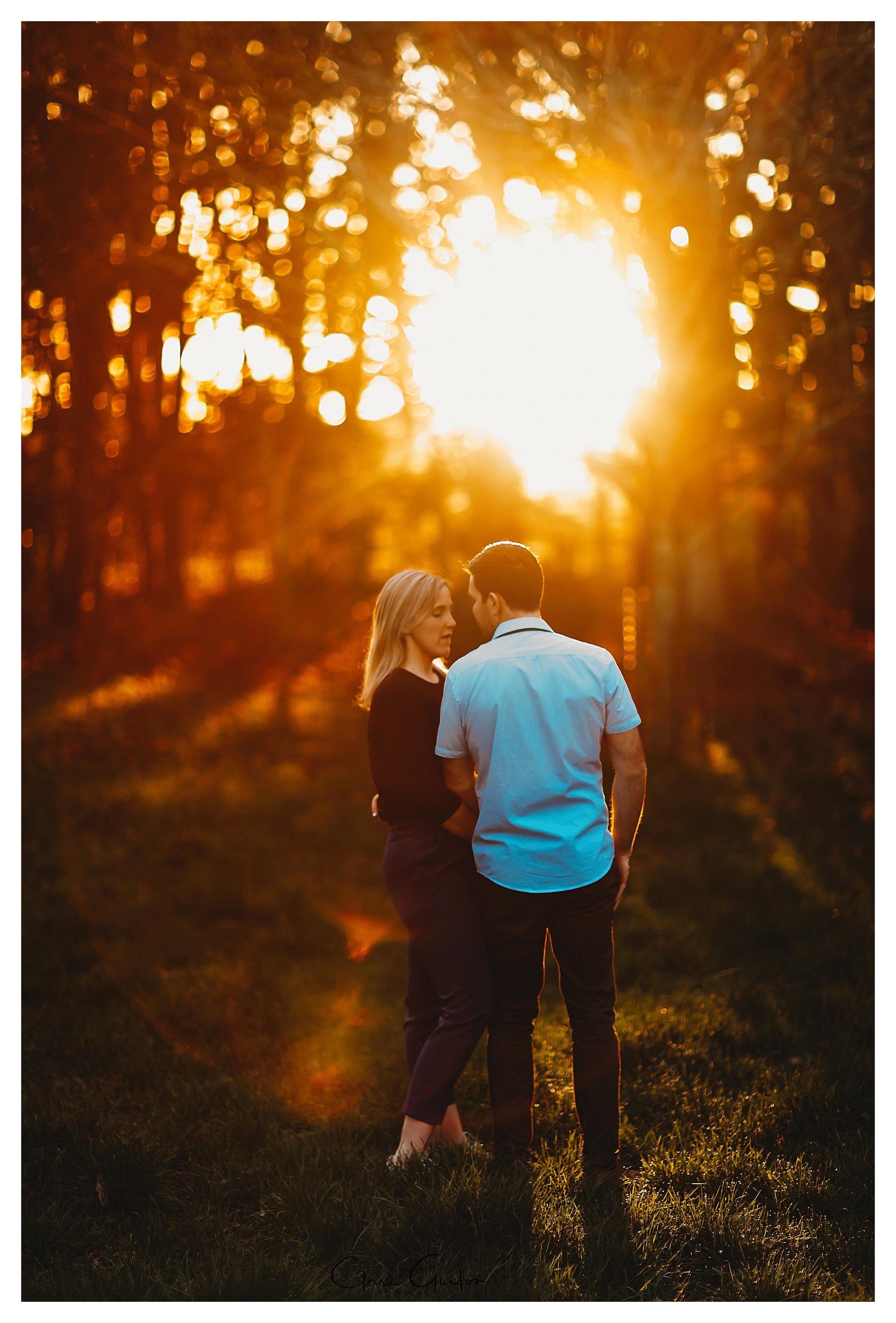 Waikato-engagement-photos-sunset-clare-gordon-photography-couple-hugging (20).jpg
