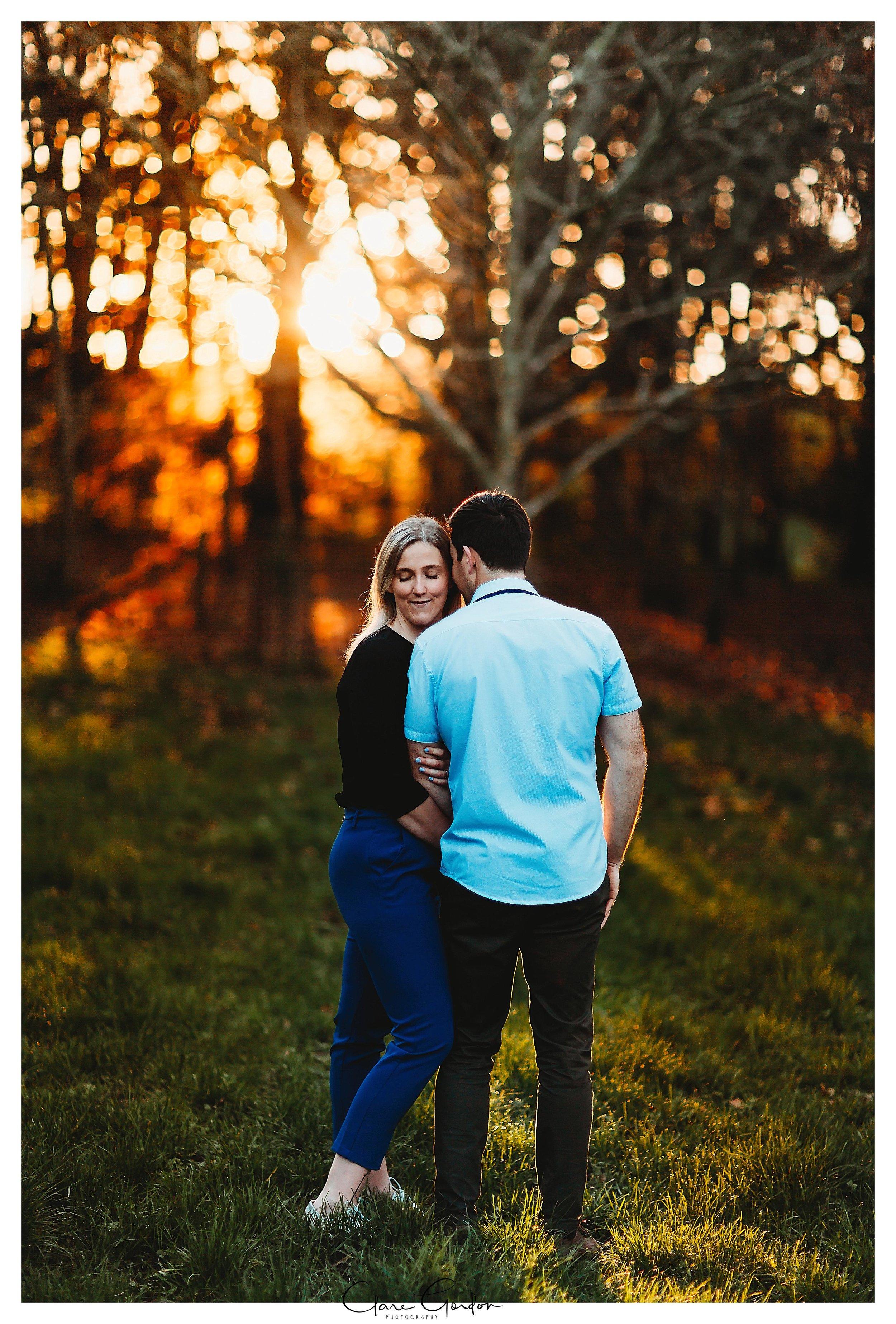 Waikato-engagement-photos-sunset-clare-gordon-photography-couple-hugging (25).jpg