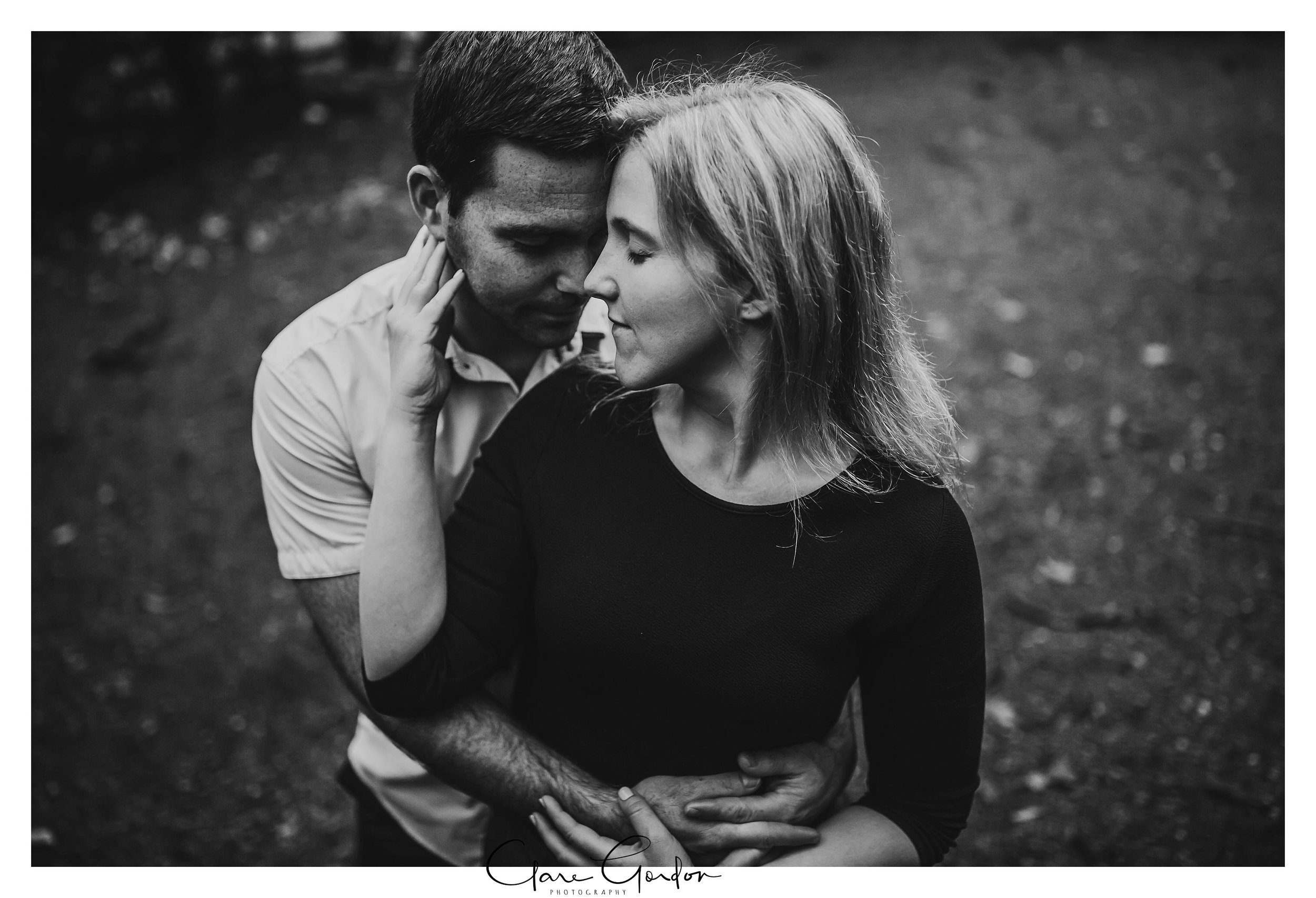 Clare-Gordon-Photography-Engagement-photos-couple-hugging.jpg