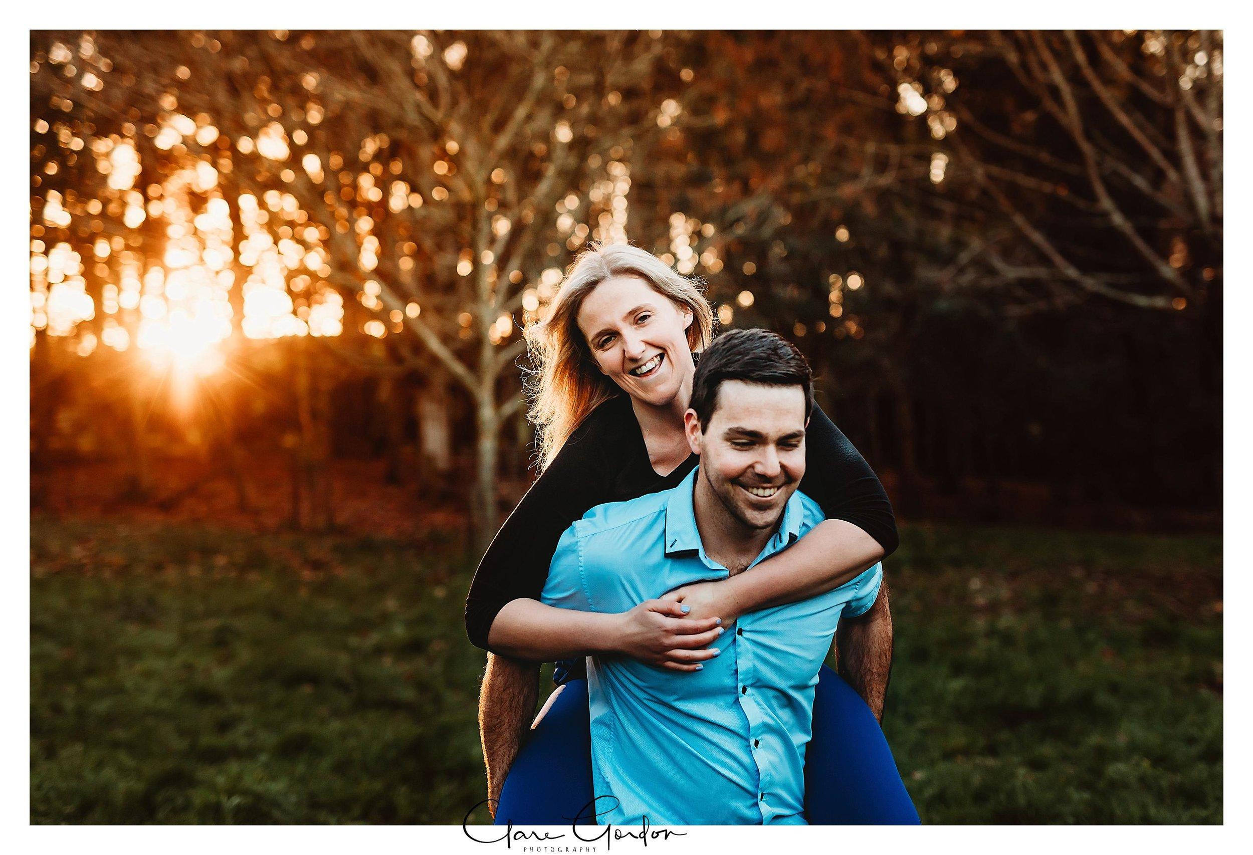 Waikato-engagement-photos-sunset-clare-gordon-photography-couple-hugging (13).jpg