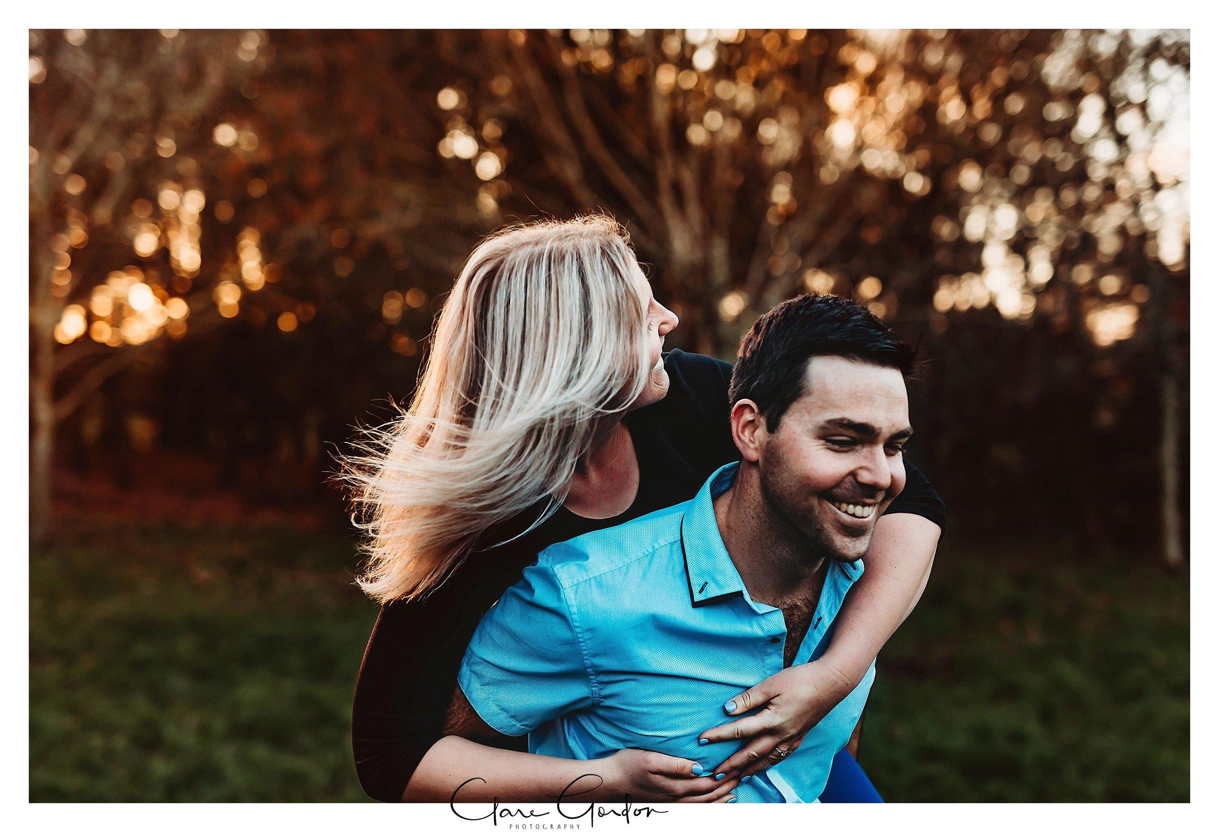 Waikato-engagement-photos-sunset-clare-gordon-photography-couple-hugging (15).jpg