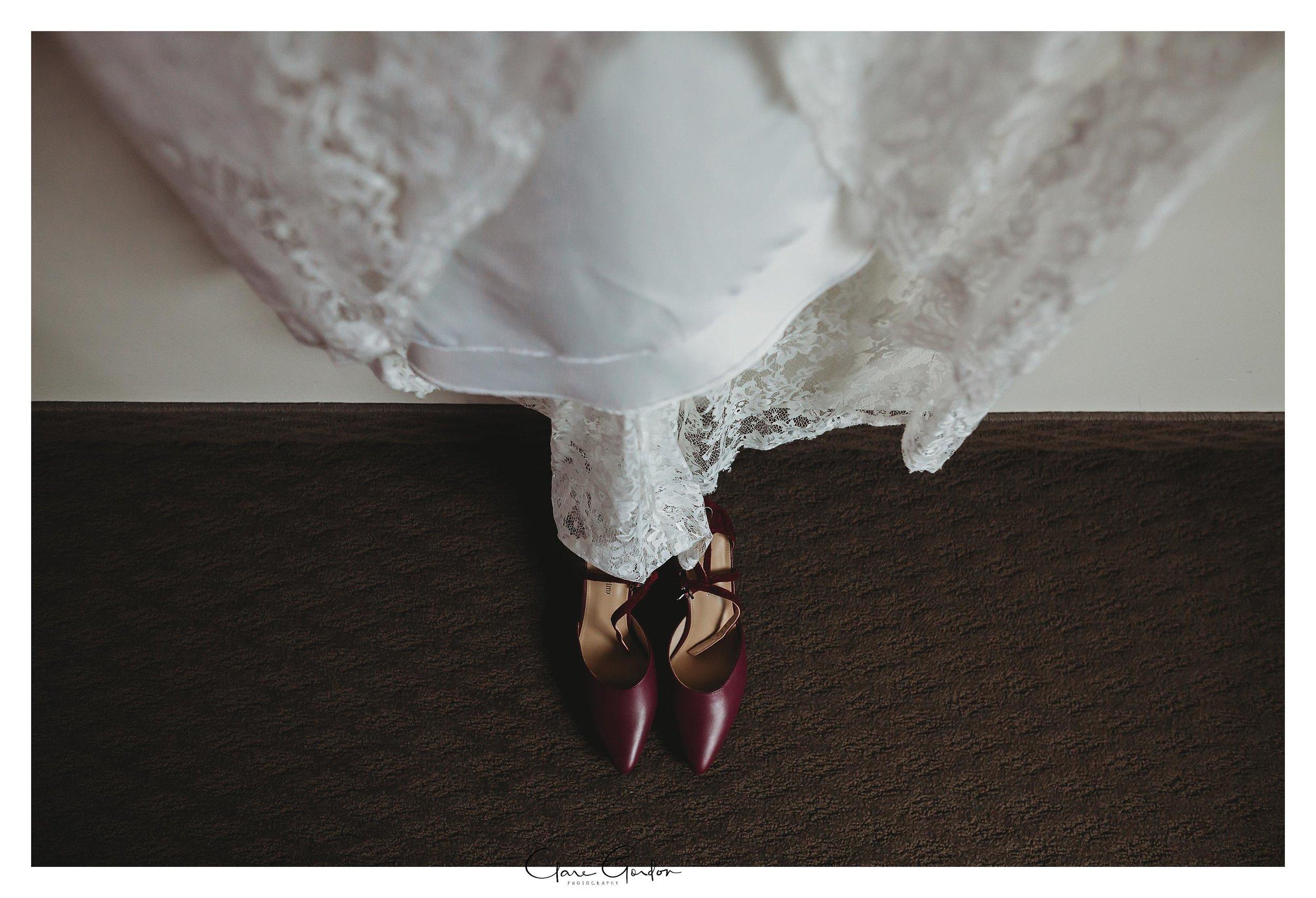 Hamilton-NZ-wedding-photographer-Bride-reflection-Waikato-wedding-photographer-Novotel-Hamilton-Clare-Gordon-photography (7).jpg