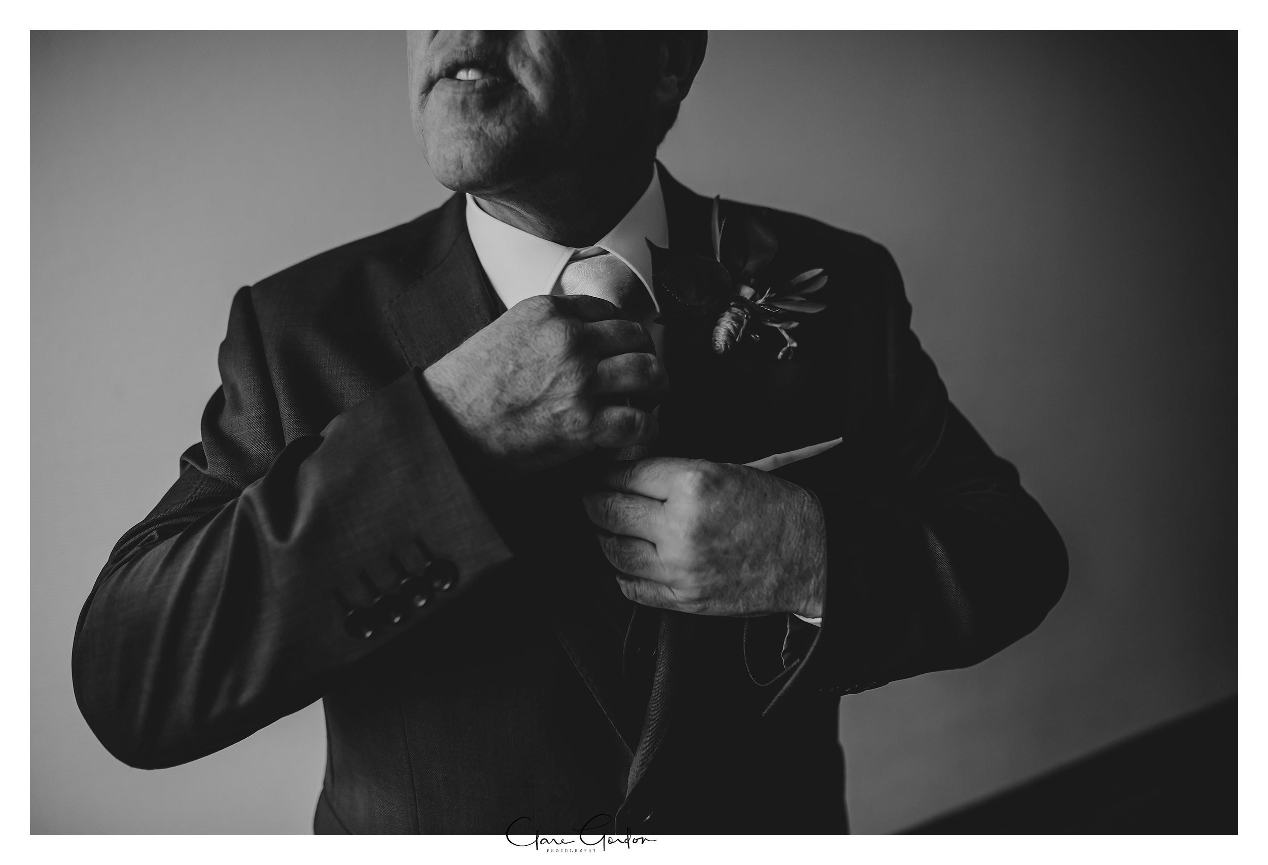 Hamilton-NZ-wedding-photographer-Bride-reflection-Waikato-wedding-photographer-Novotel-Hamilton-Clare-Gordon-photography (17).jpg