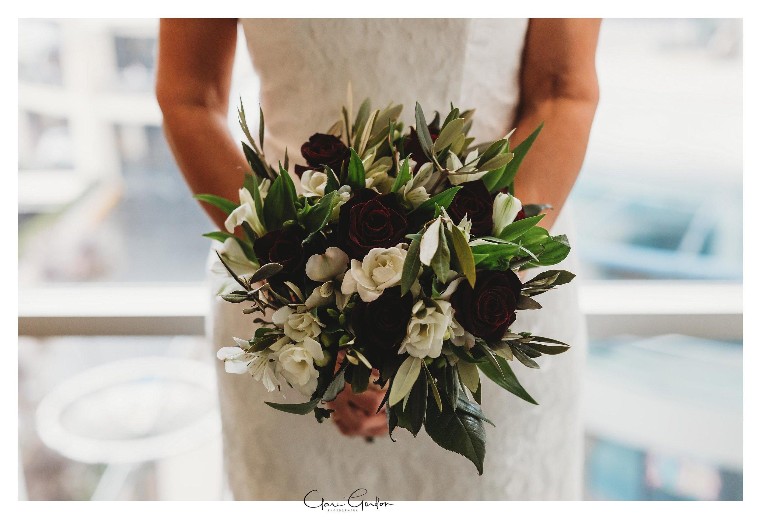 Hamilton-NZ-wedding-photographer-Bride-reflection-Waikato-wedding-photographer-Novotel-Hamilton-Clare-Gordon-photography (8).jpg