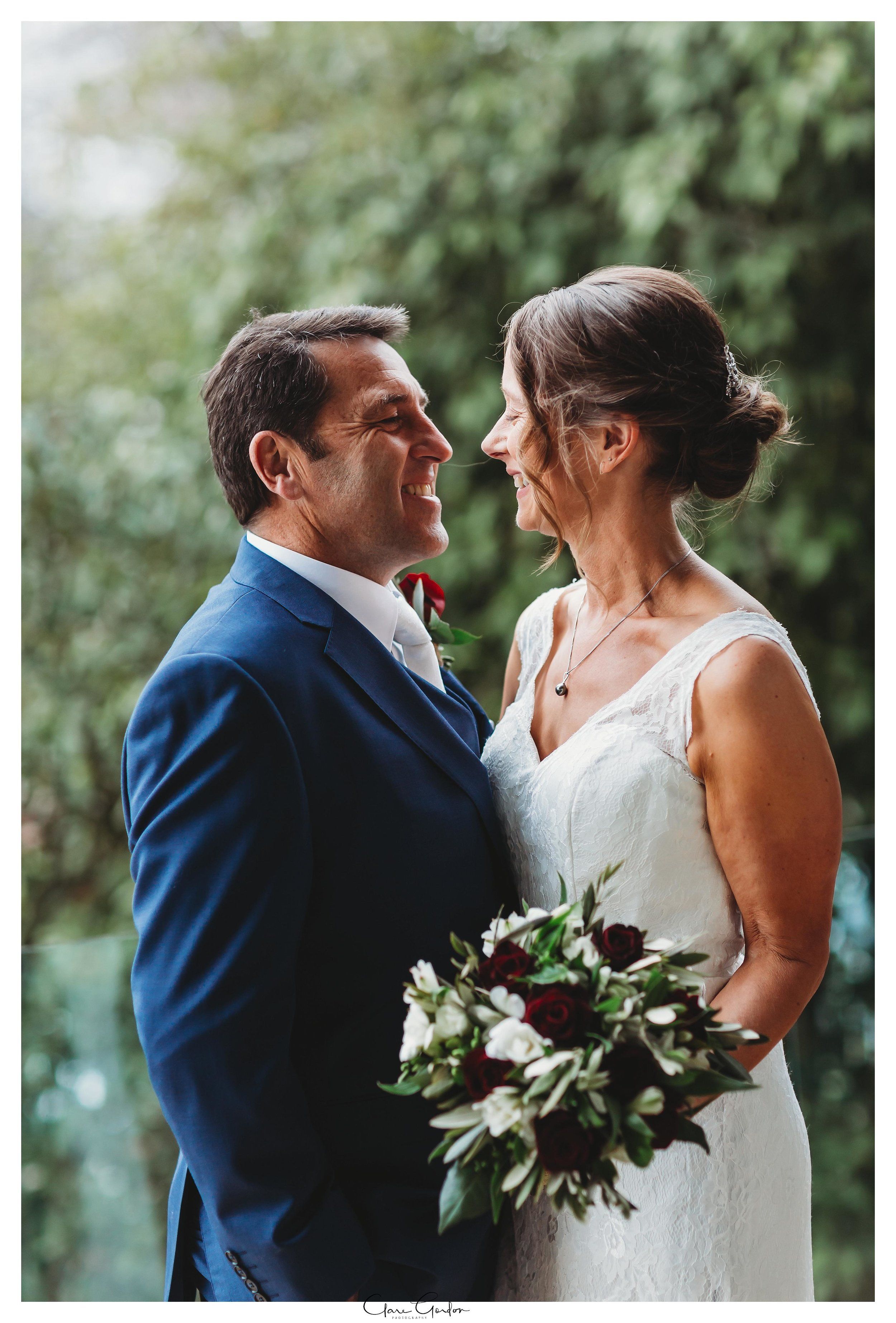 Hamilton-NZ-wedding-photographer-Bride-reflection-Waikato-wedding-photographer-Novotel-Hamilton-Clare-Gordon-photography (22).jpg