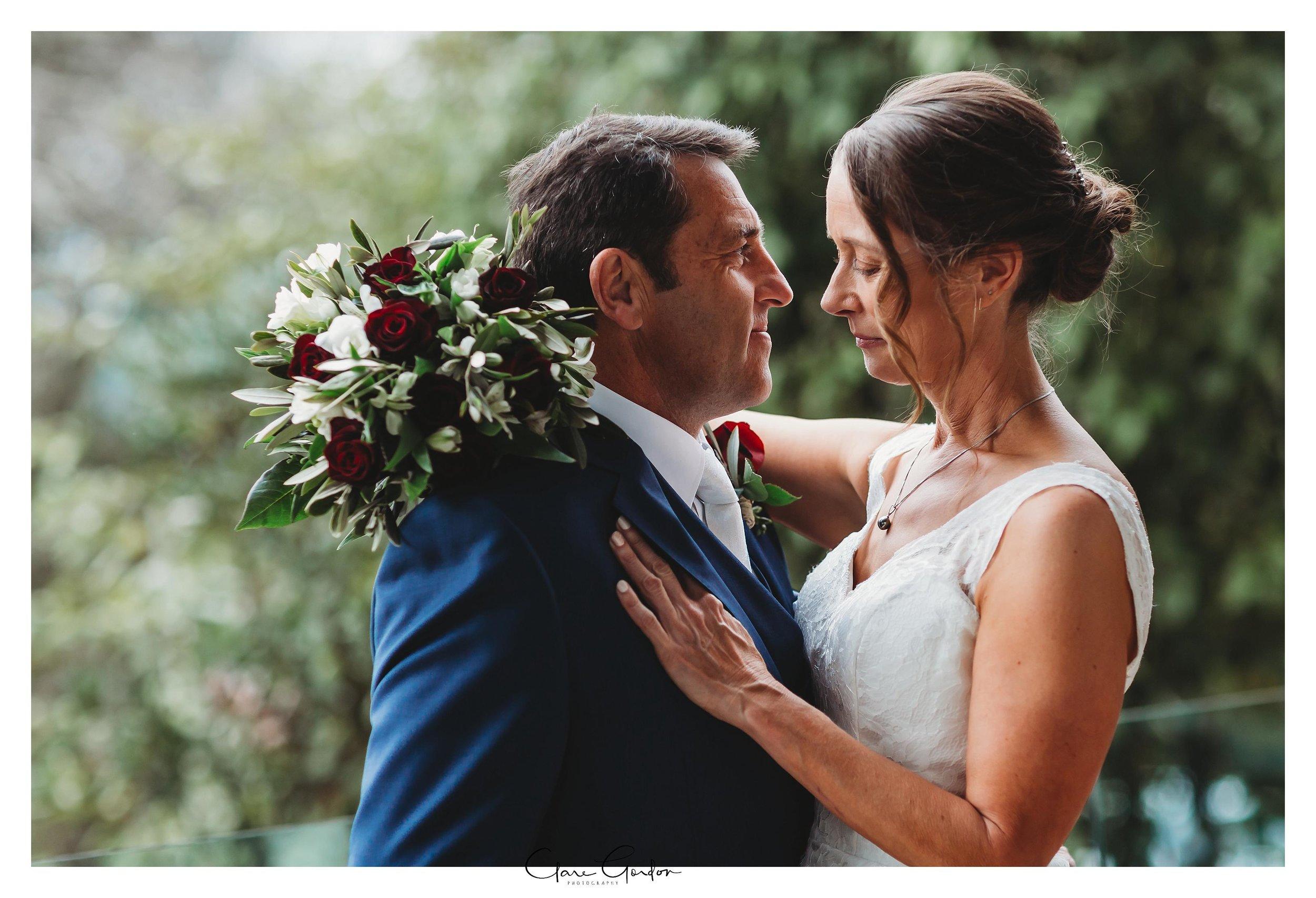 Hamilton-NZ-wedding-photographer-Bride-reflection-Waikato-wedding-photographer-Novotel-Hamilton-Clare-Gordon-photography (24).jpg