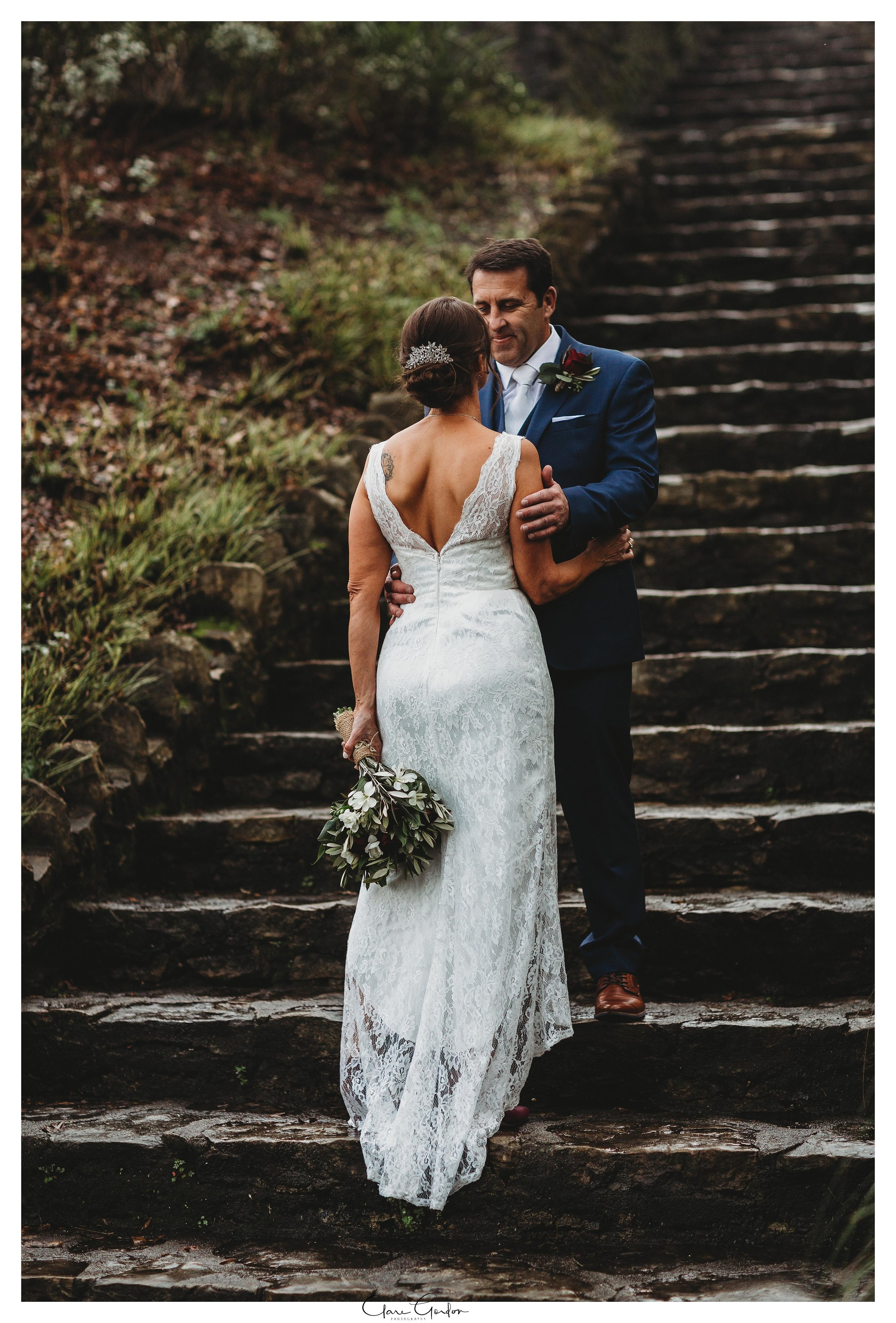 Hamilton-NZ-wedding-photographer-Bride-reflection-Waikato-wedding-photographer-Novotel-Hamilton-Clare-Gordon-photography (25).jpg