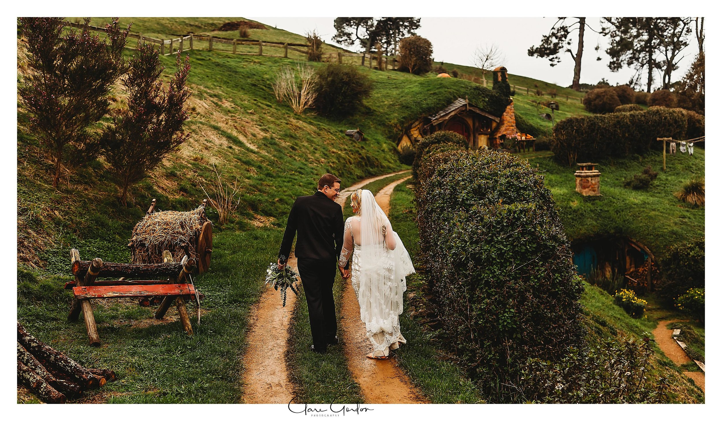 Hobbiton-movie-set-wedding-photo-matamata-bride-and-groom-Photo (5).jpg