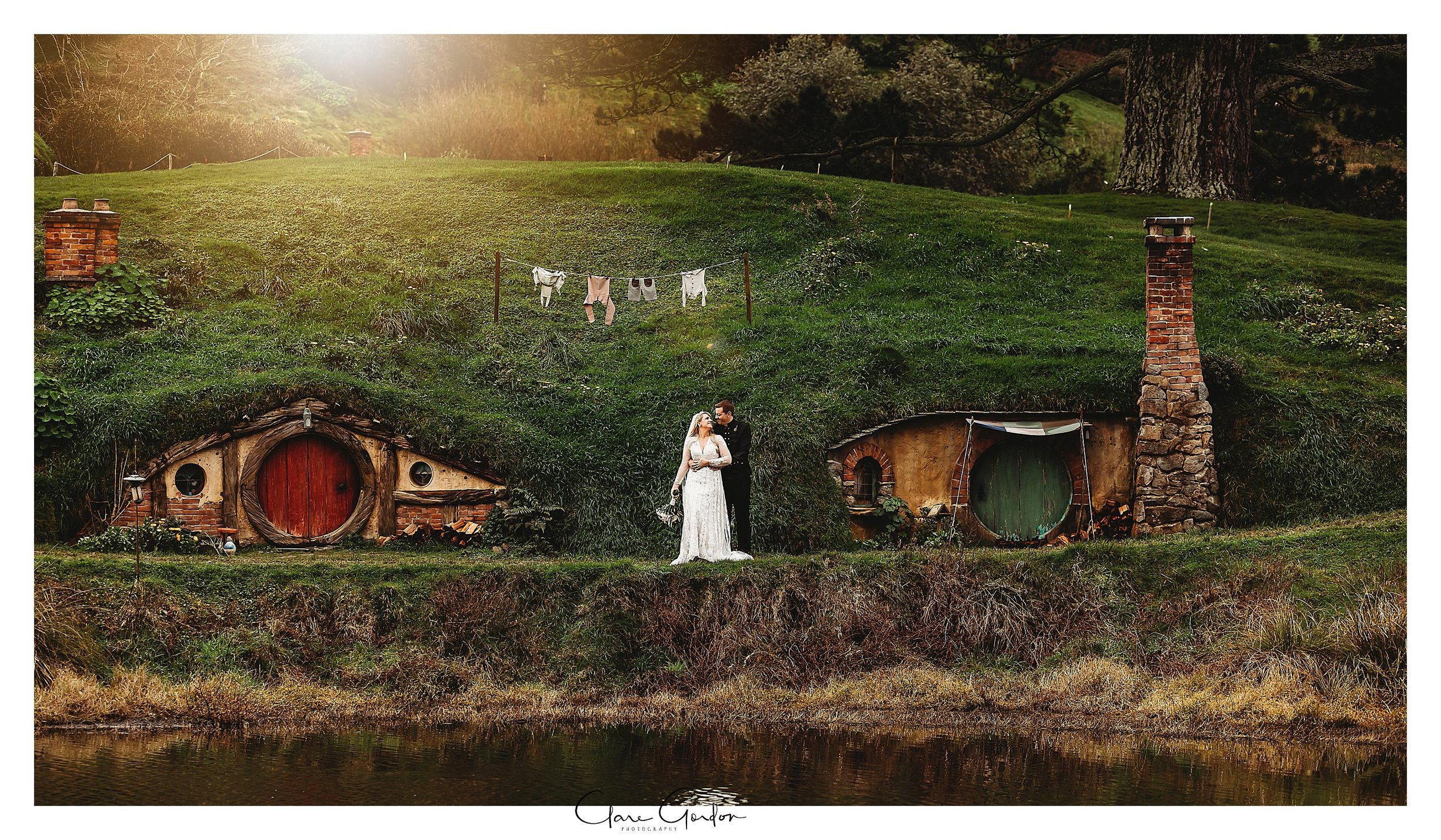 Hobbiton-movie-set-wedding-photo-matamata-bride-and-groom-Photo (4).jpg