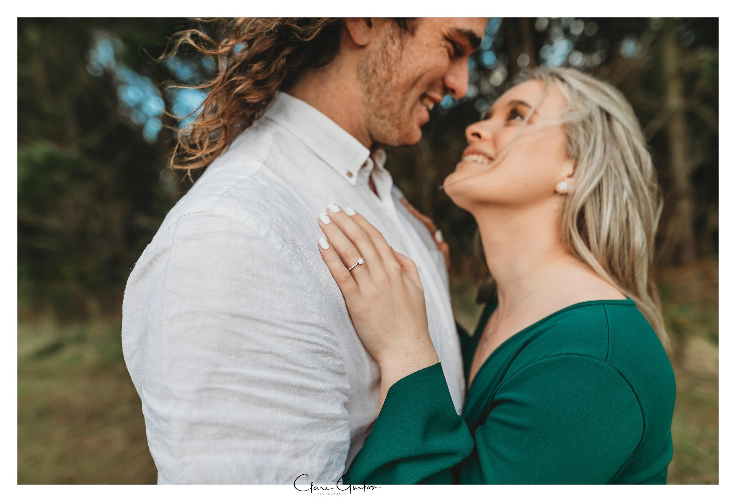 Waikato-engagement-photo-TeMiro-couple-hugging-in-forest-Newzealand-wedding-photographer (18).jpg