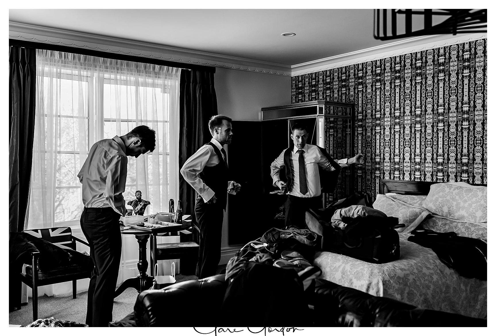 Henley-Hotel-Cherry-blossom-wedding-photos (10).jpg