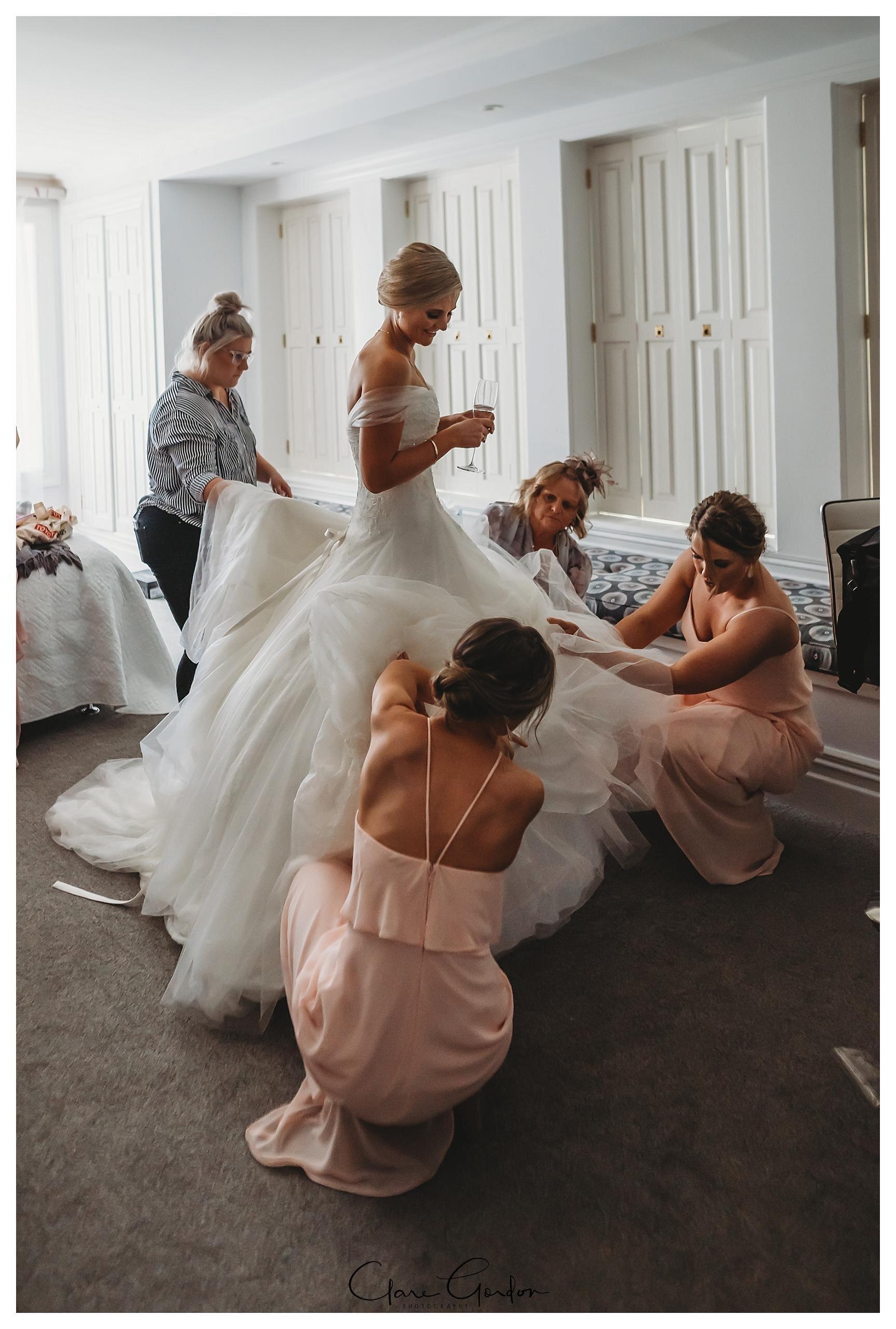 Henley-Hotel-Cherry-blossom-wedding-photos (34).jpg