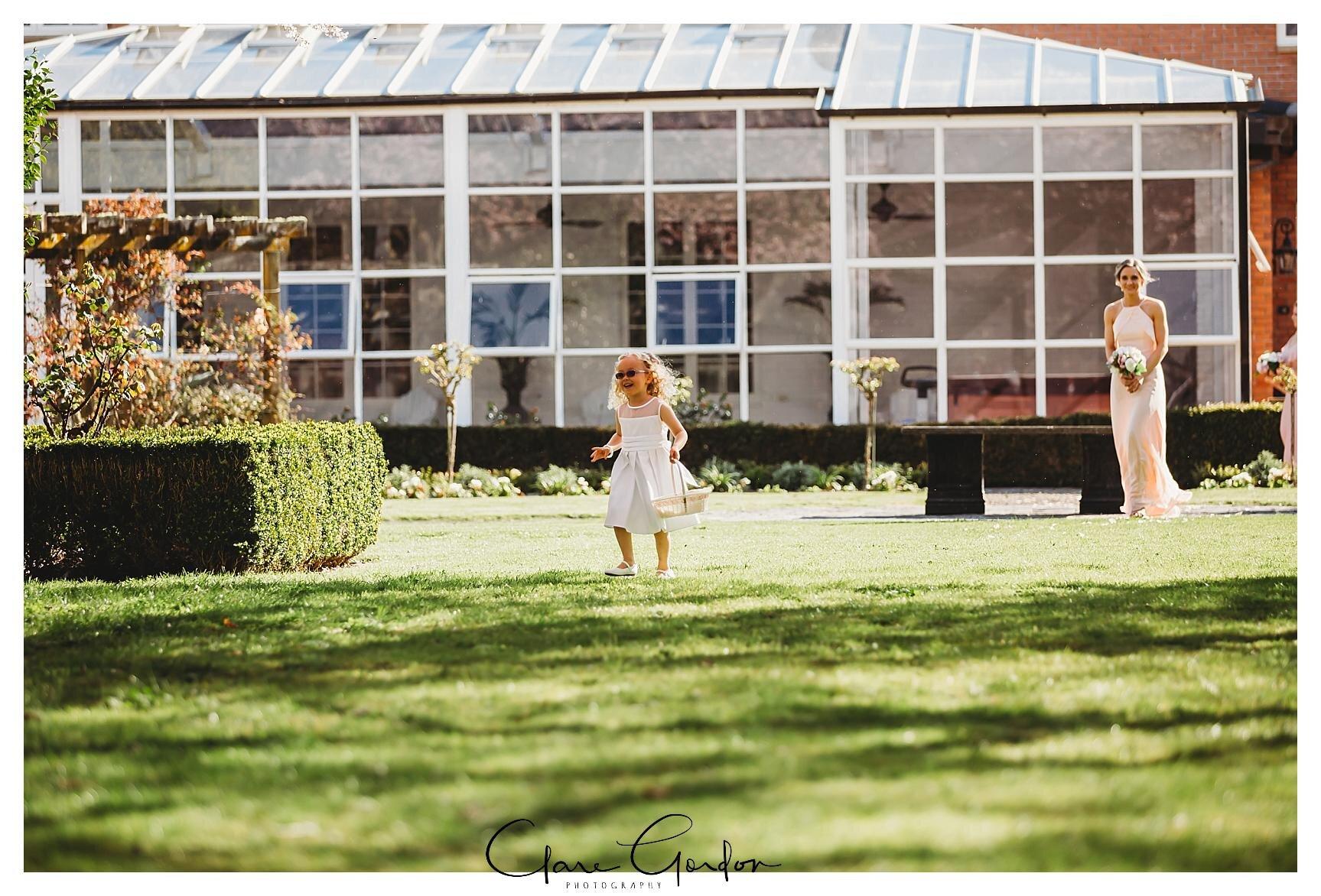 Henley-Hotel-Cherry-blossom-wedding-photos (39).jpg
