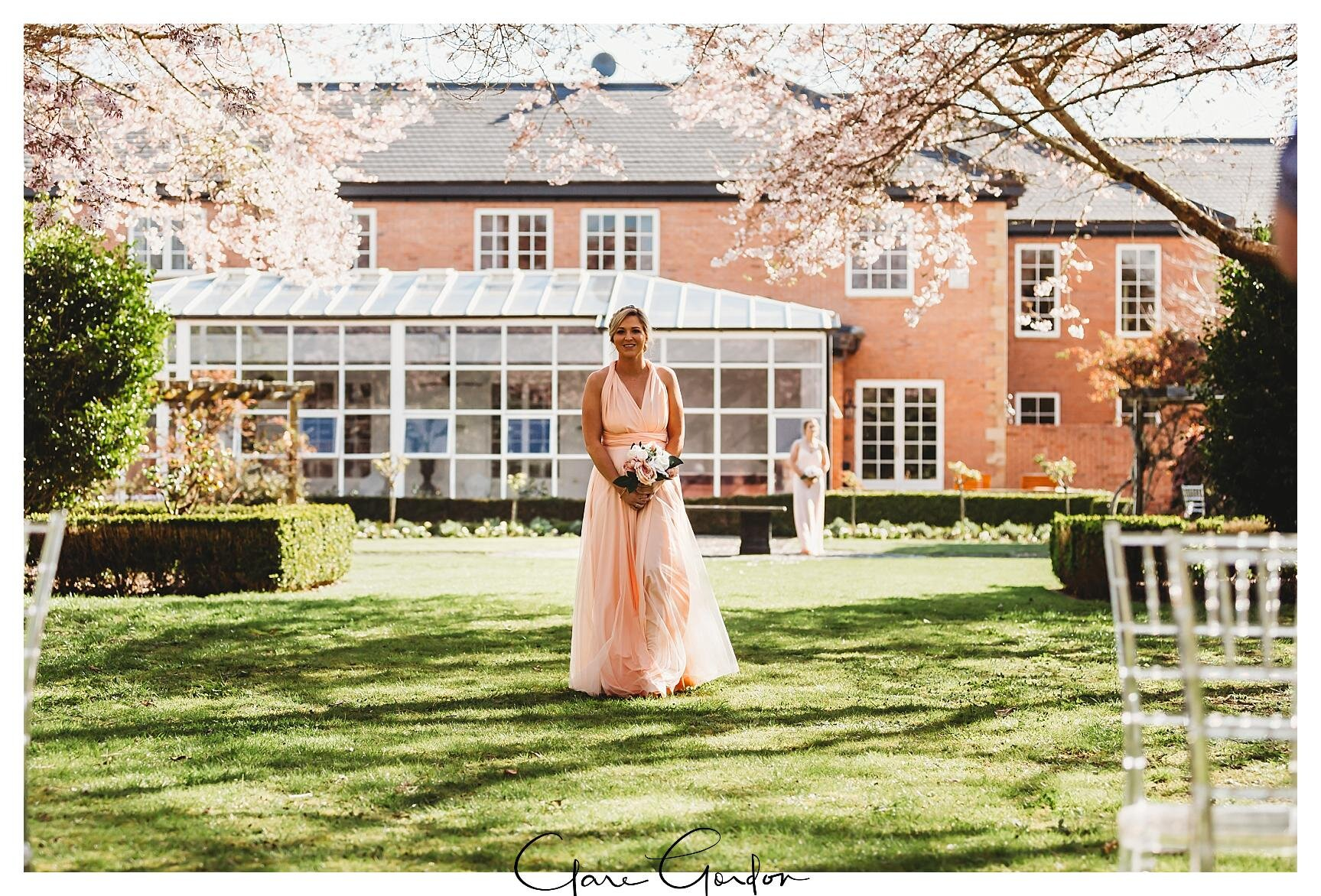 Henley-Hotel-Cherry-blossom-wedding-photos (41).jpg