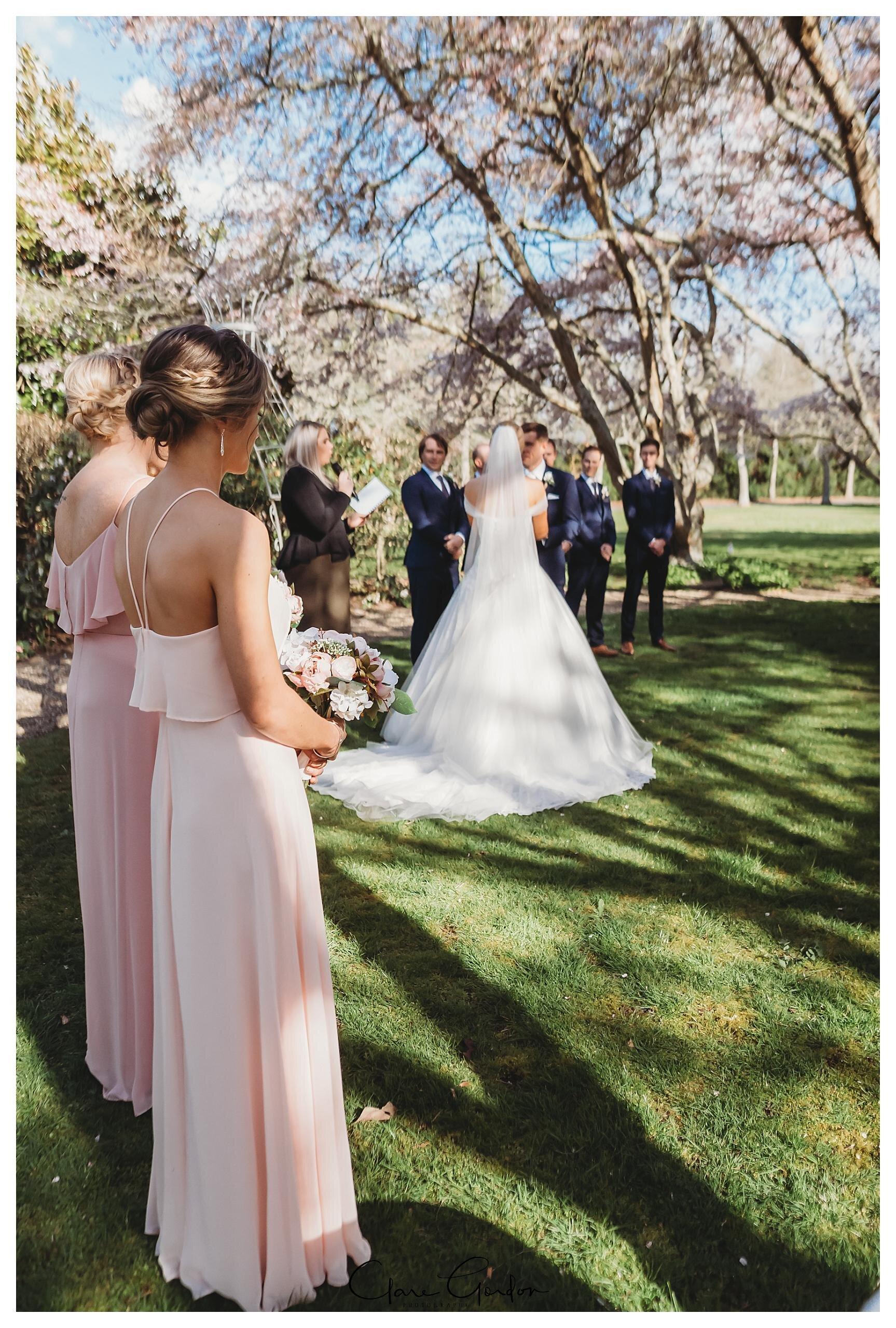 Henley-Hotel-Cherry-blossom-wedding-photos (47).jpg