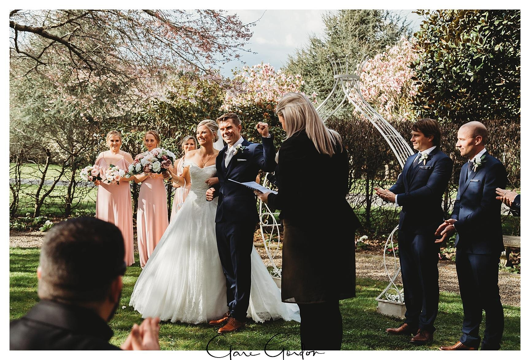 Henley-Hotel-Cherry-blossom-wedding-photos (52).jpg