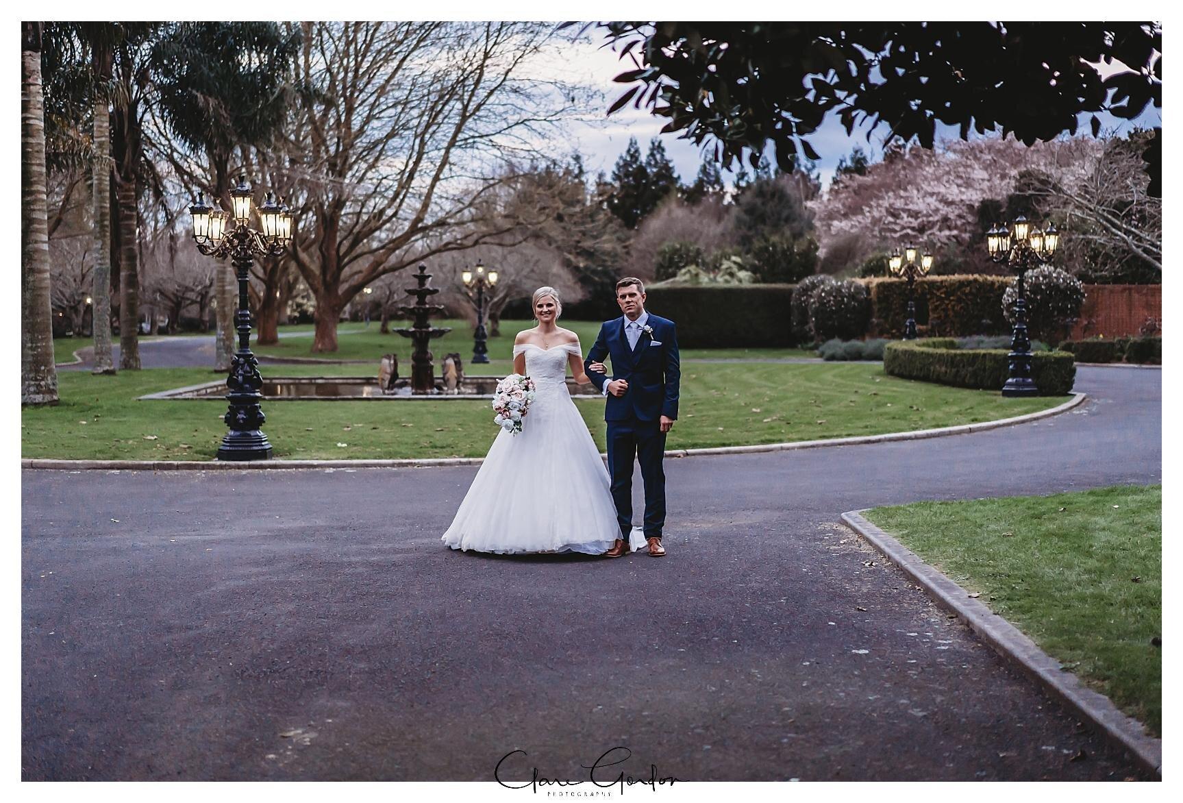 Henley-Hotel-Cherry-blossom-wedding-photos (77).jpg