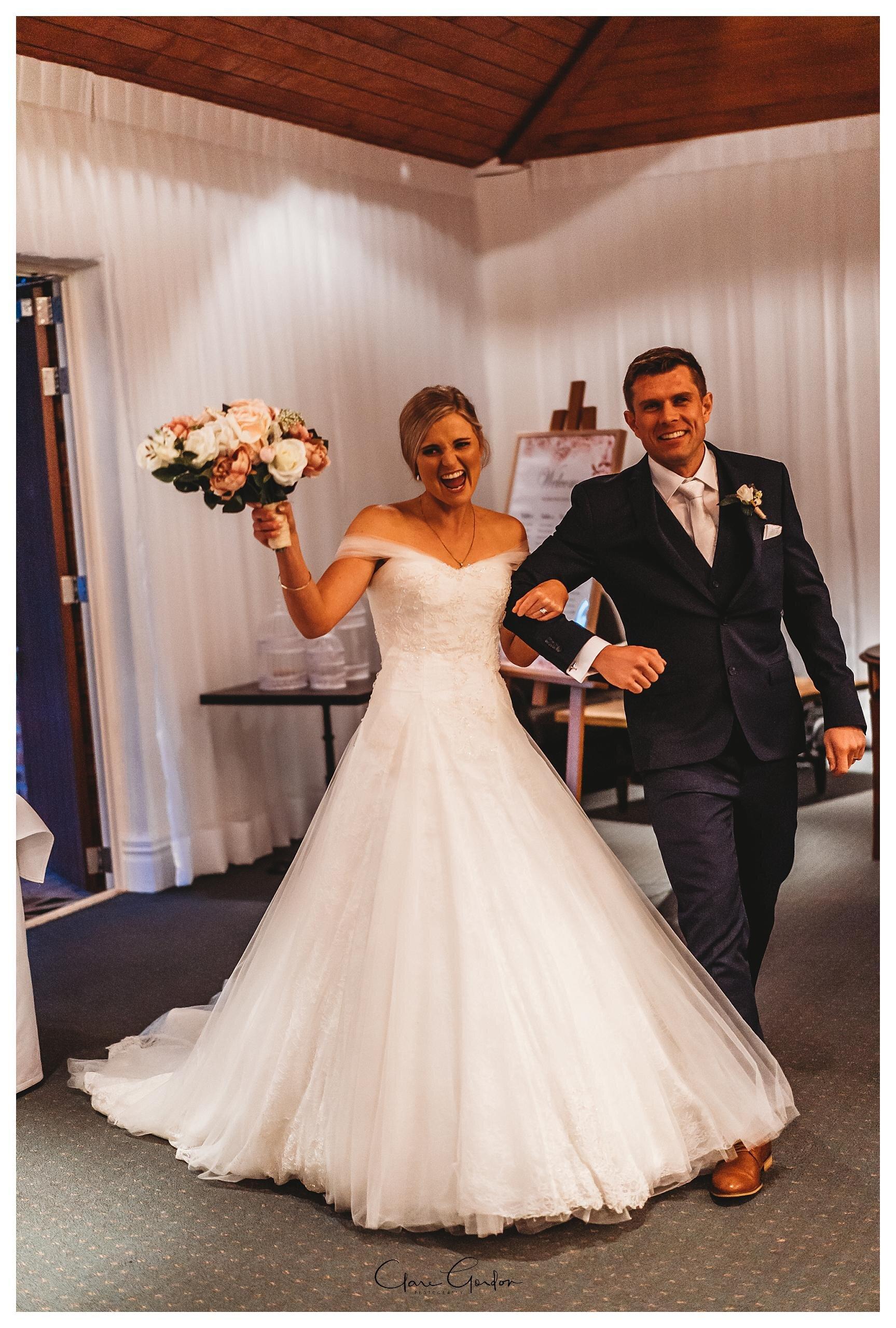 Henley-Hotel-Cherry-blossom-wedding-photos (78).jpg