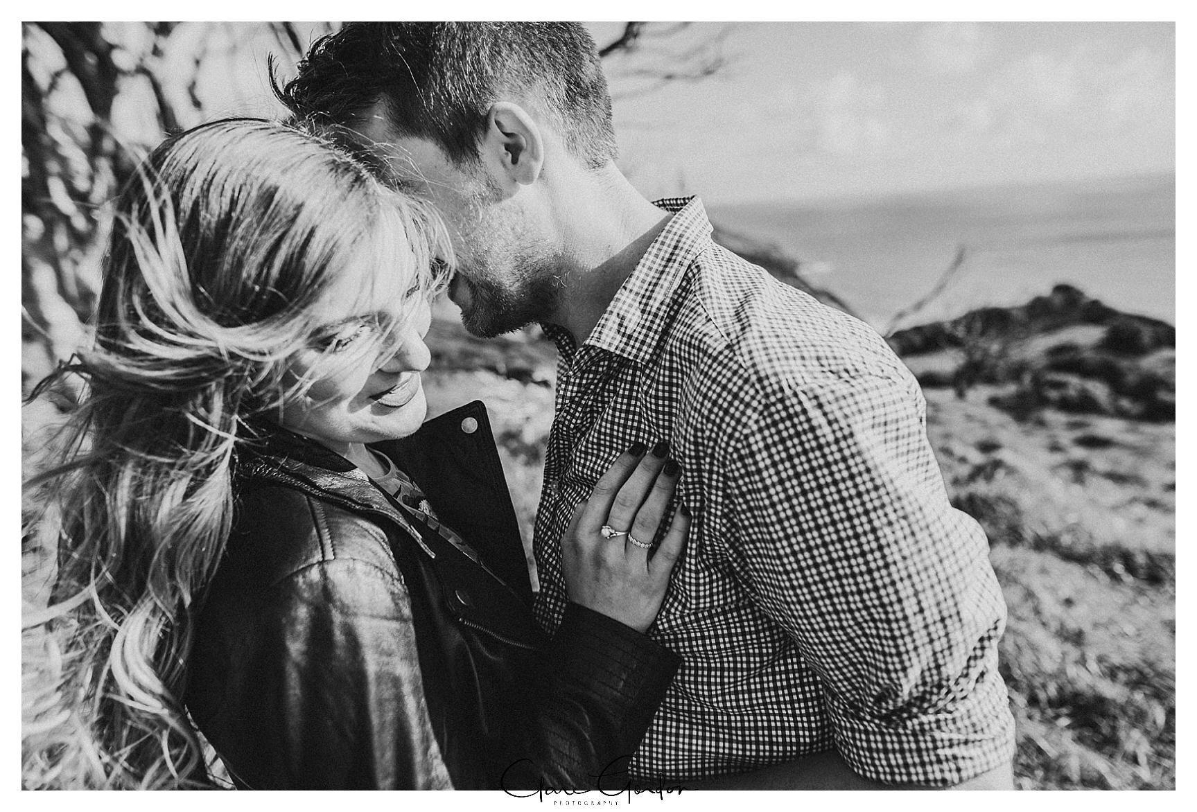 Raglan-beach-NZ-couples-engagement-photos-West-coast-Newzealand (6).jpg