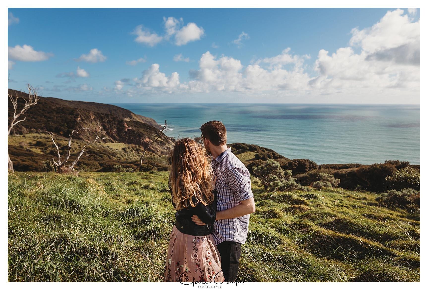 Raglan-beach-NZ-couples-engagement-photos-West-coast-Newzealand (3).jpg