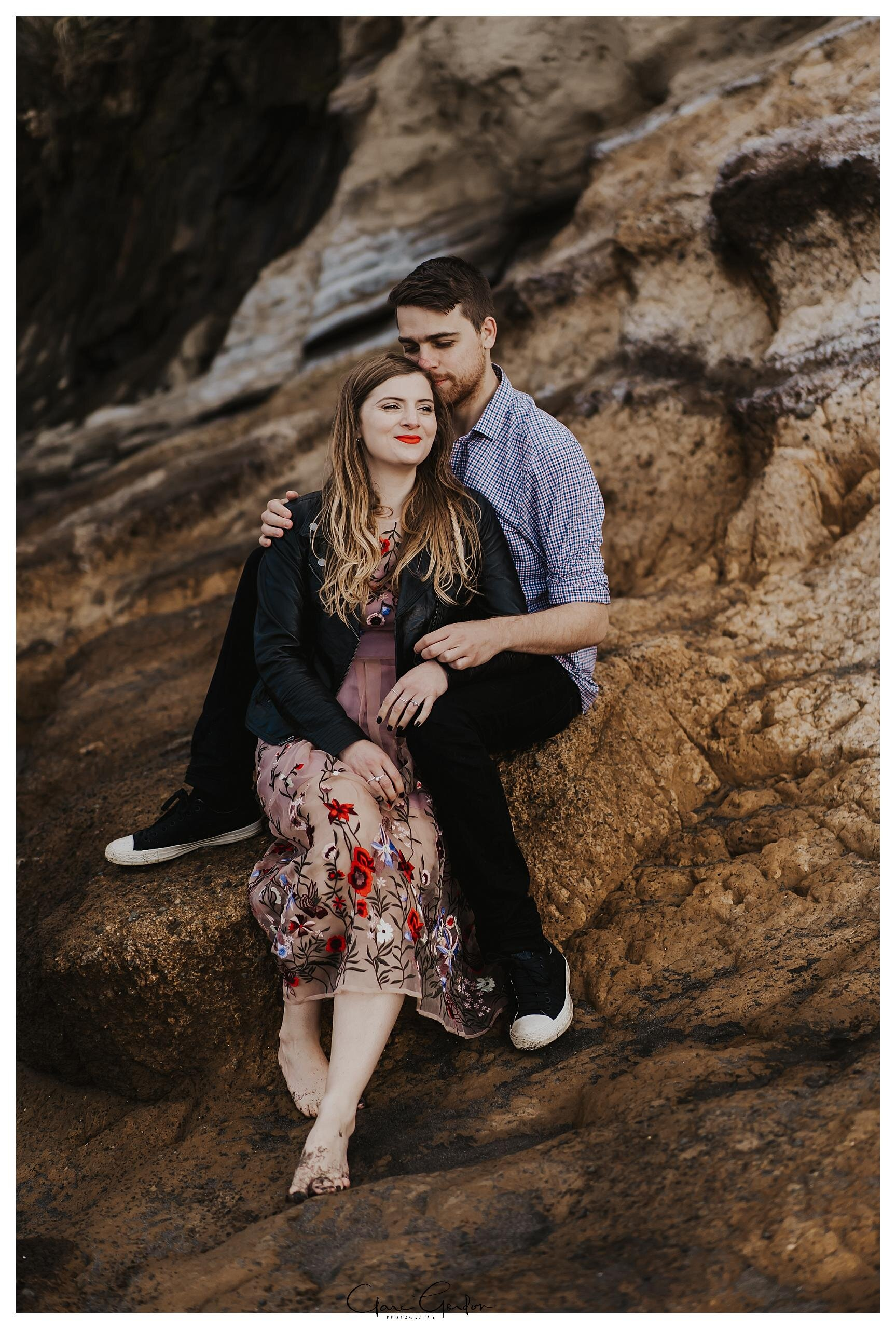 Raglan-beach-NZ-couples-engagement-photos-West-coast-Newzealand (11).jpg