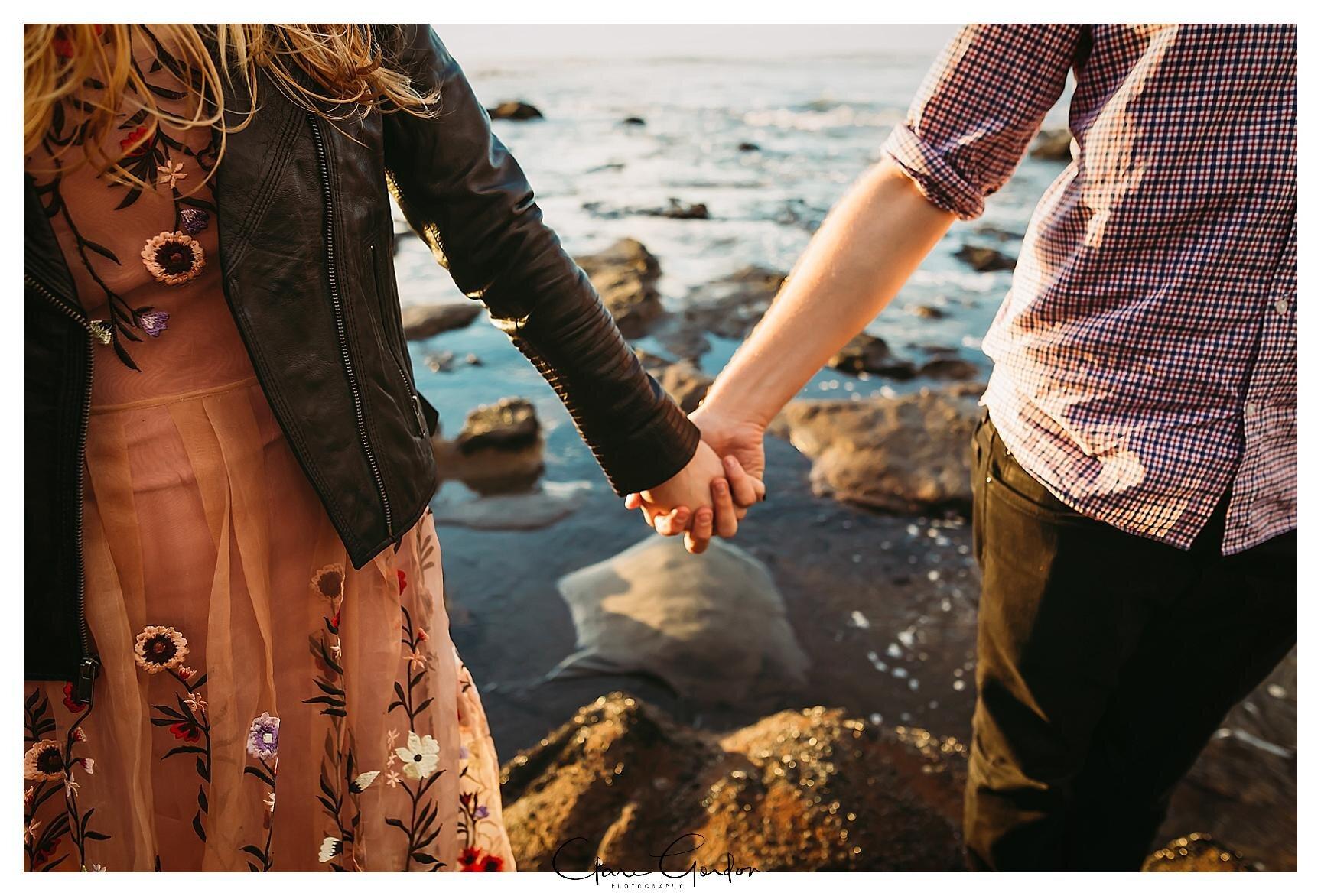 Raglan-beach-NZ-couples-engagement-photos-West-coast-Newzealand (18).jpg