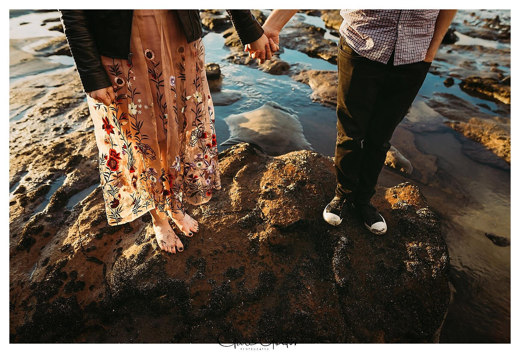 Raglan-beach-NZ-couples-engagement-photos-West-coast-Newzealand (20).jpg