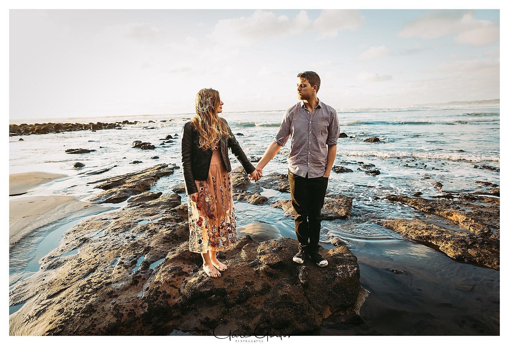 Raglan-beach-NZ-couples-engagement-photos-West-coast-Newzealand (21).jpg