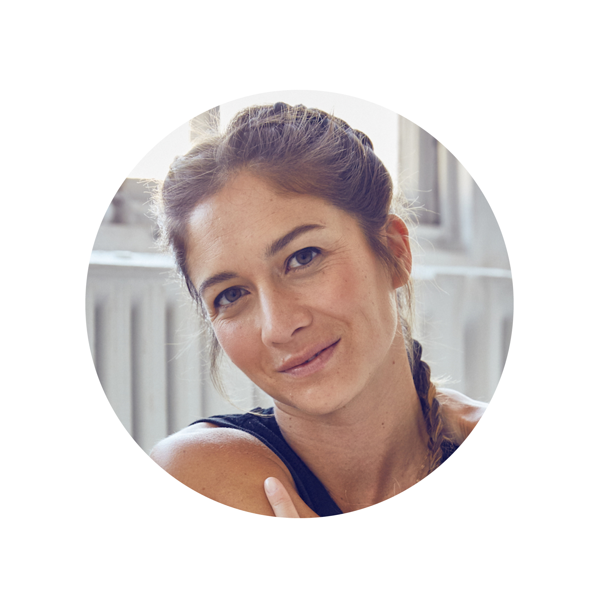 """""""You've got to ask people - what's the thing you hate about your job?"""" - Peloton has completely changed the fitness industry, in part because of the revolutionary tech but also because of the amazing, celebrity-like instructors at the helm of it. One of those incredible faces is Emma Lovewell, one of my personal favorites and the guest on this week's podcast!Emma talks about her life beyond the bike - her college experiences, the struggles of being Asian and American but not quite fitting entirely into either group, the wealth disparities that made themselves apparent at different phases of her life and how she forged her own and followed her true passion. Deep, right? You don't want to miss this conversation."""