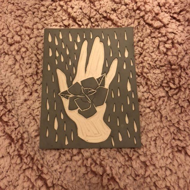 rubber carving ✋🏼 #linocut