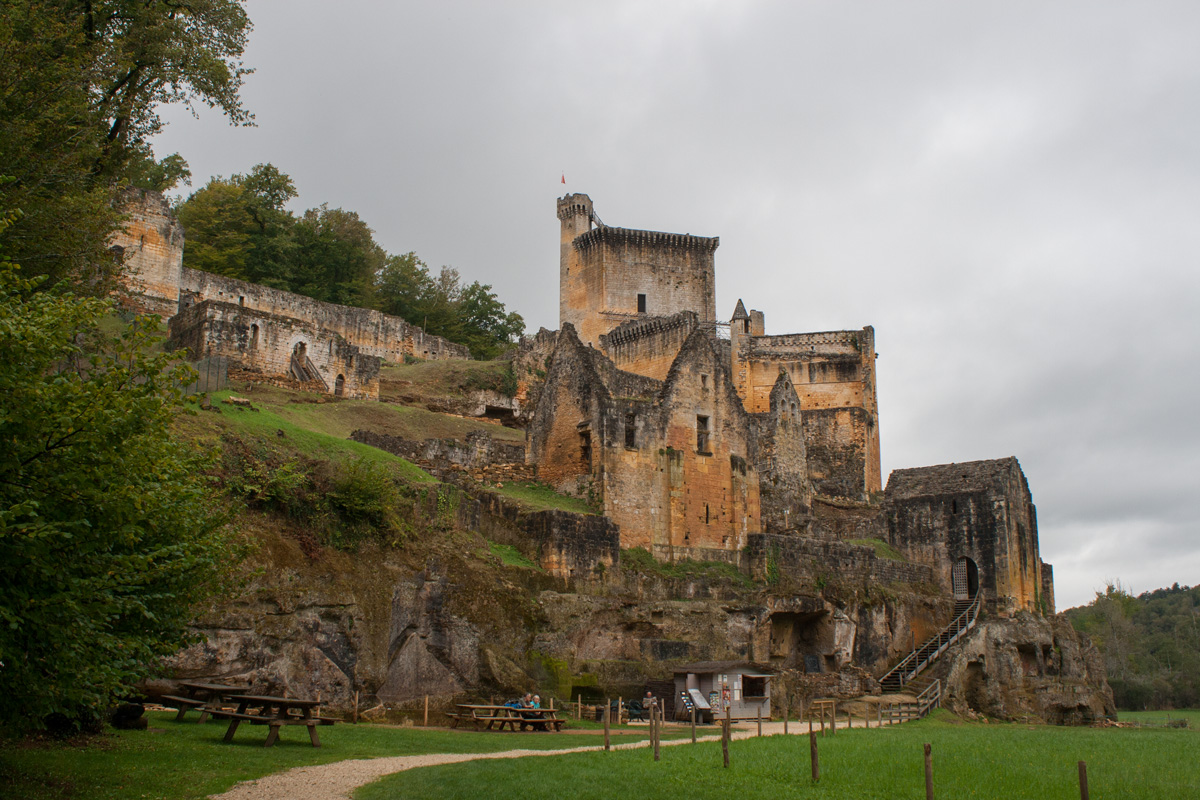 Château de commarque - Set in the Valley of the Vézère, this amazing 12th century fortified village is slowly being brought back to life by its owner. Highly recommended site.