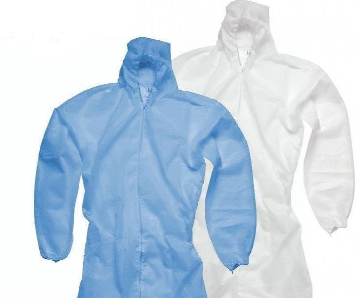 Keeping you clean - To keep you and your holiday clothes clean, fear not - we have disposable overalls for guests in varying sizes to make sure you keep the grease on the car, rather than you. We also have nitrile gloves to save you looking like a grease monkey for the rest of your travels! Feel free to take your overalls with you when you leave - just in case you hit a snag in the rest of your journey.