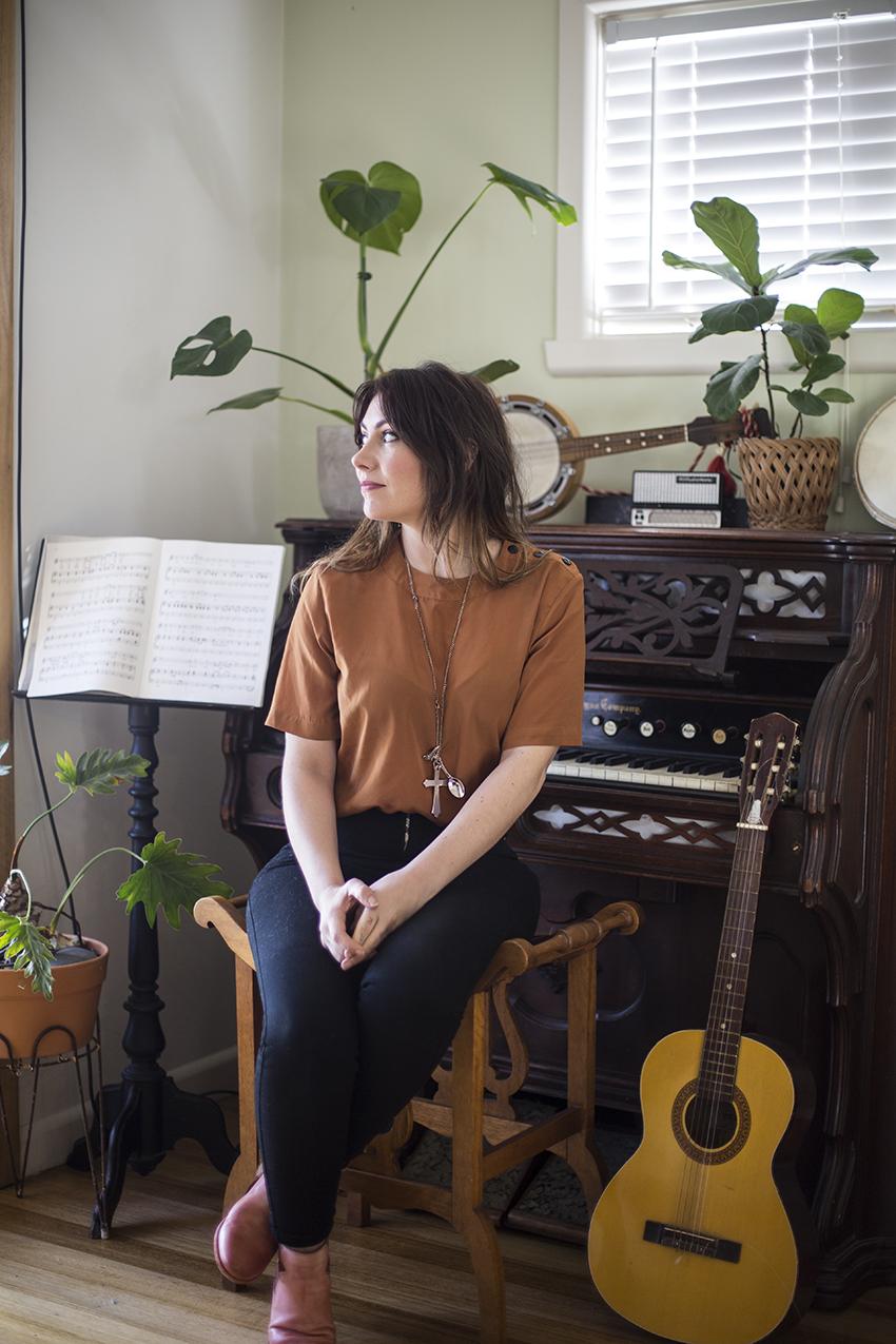 ella hooper - Musician