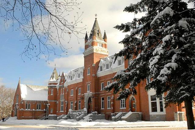 bishop-s-university.jpg