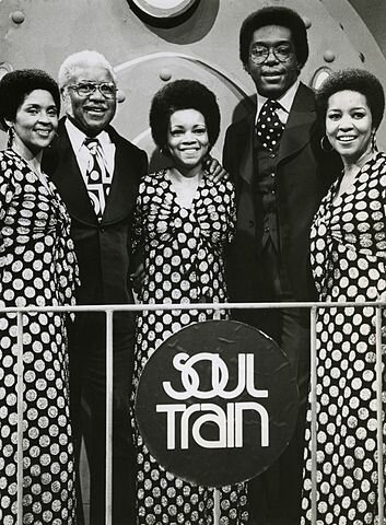 Don Cornelius and The Staples Singers on the set of Soul Train in 1974. (Image: Public Domain)