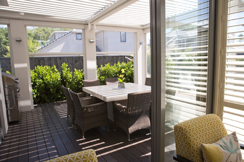 Port Patios enclosed patio blinds Port Macquarie