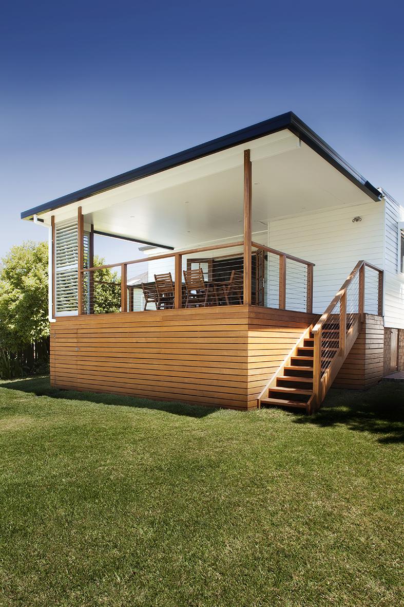 Light timber deck Port Patios Port Macquarie
