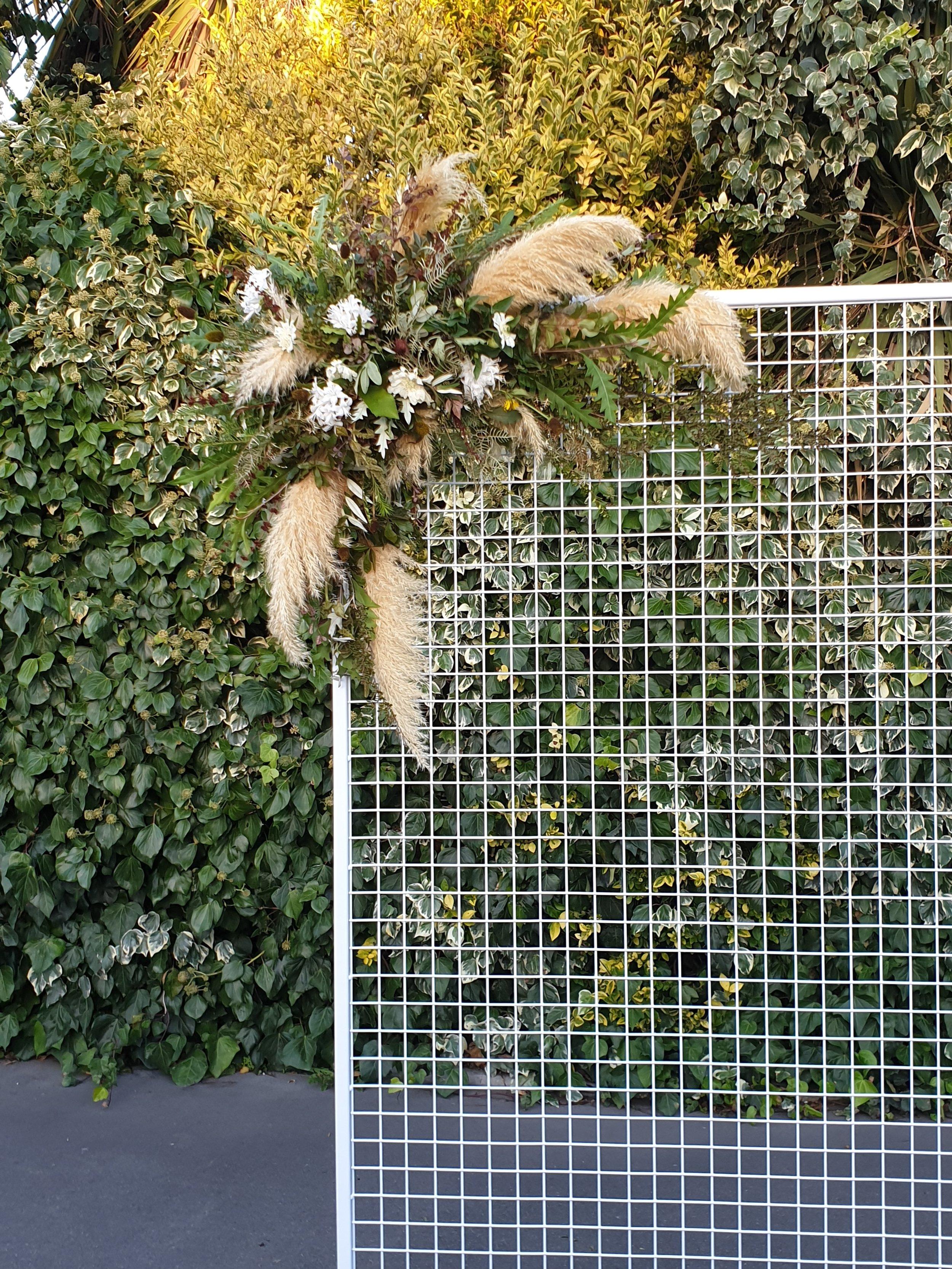 mesh-wall-florals