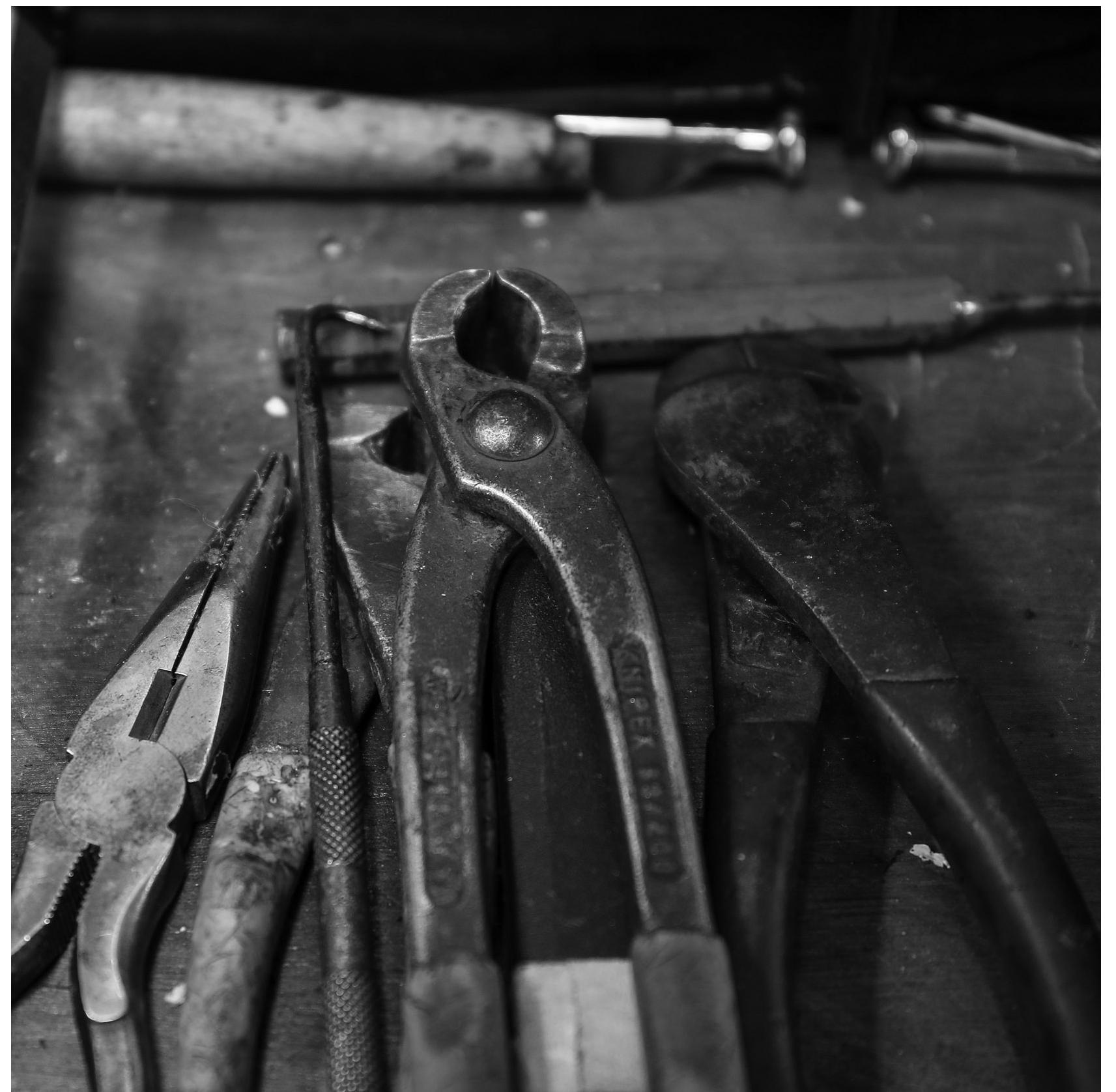 Gemmells-tools-round.png