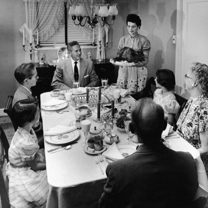 27-thanksgiving-dinner-vintage.w700.h700.jpg