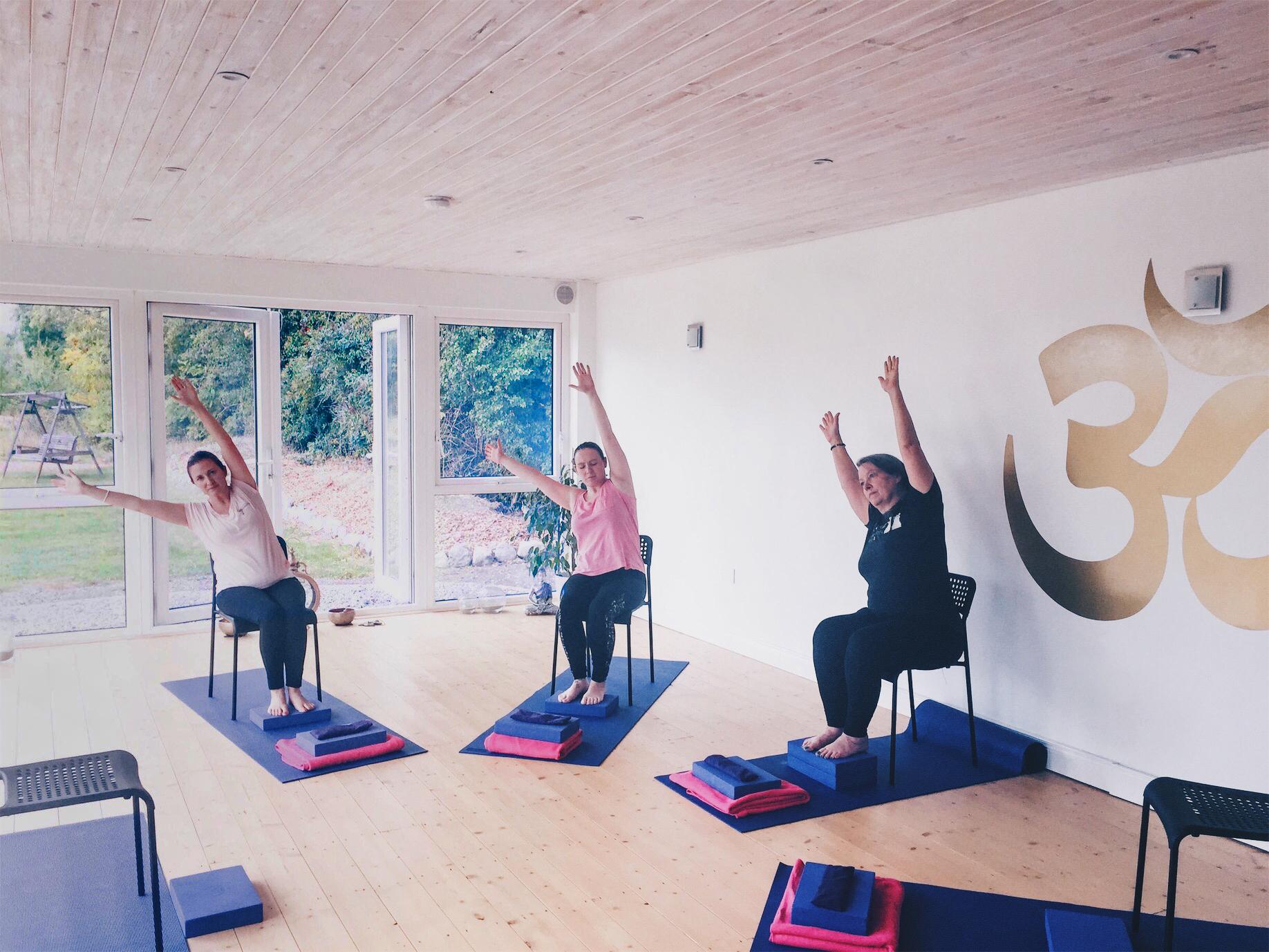 Aruna Yoga Home - 6_Therapy.jpg