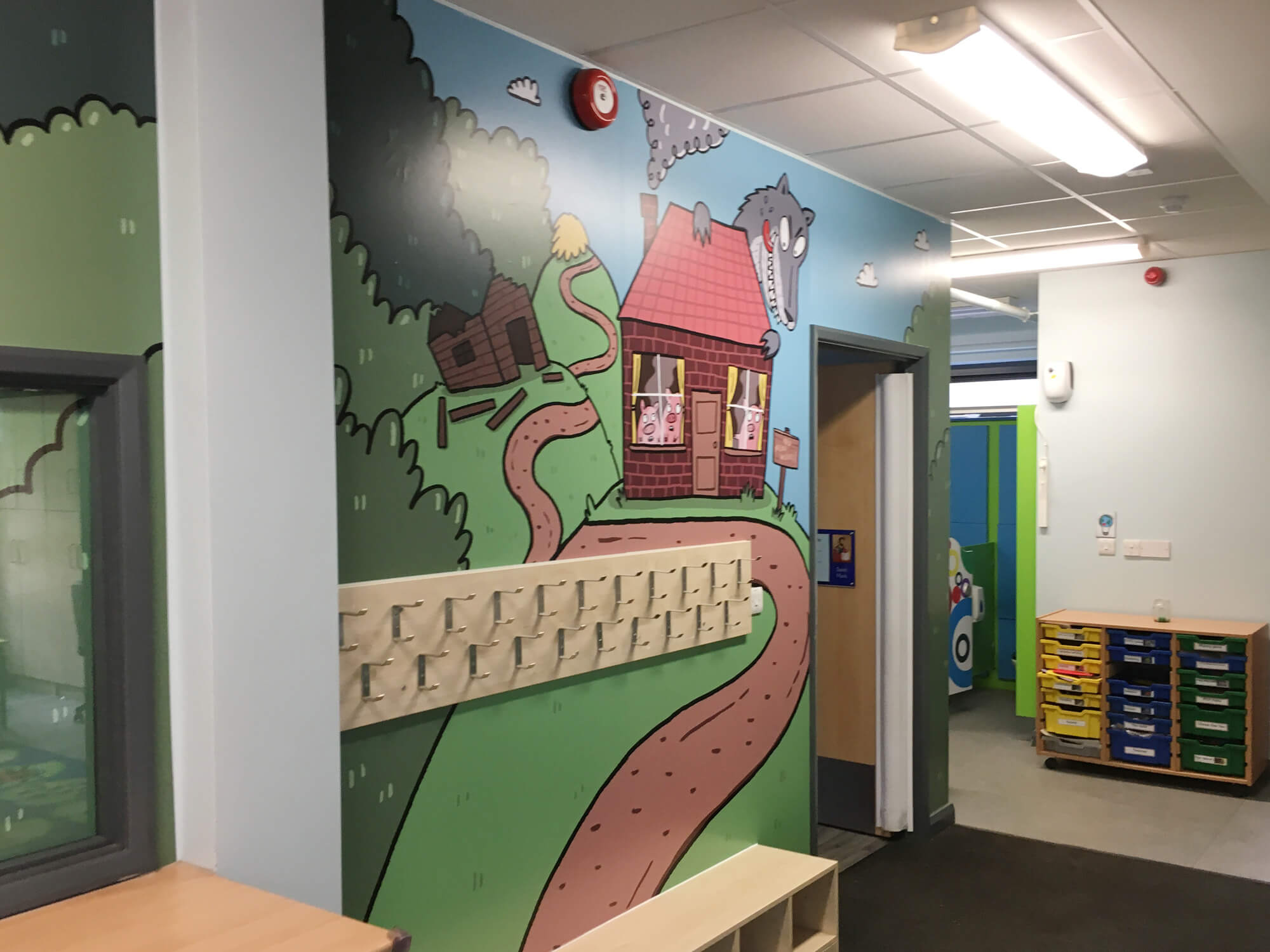 sacred_heart_primary_traditional_tales_wallgraphics_03.jpg