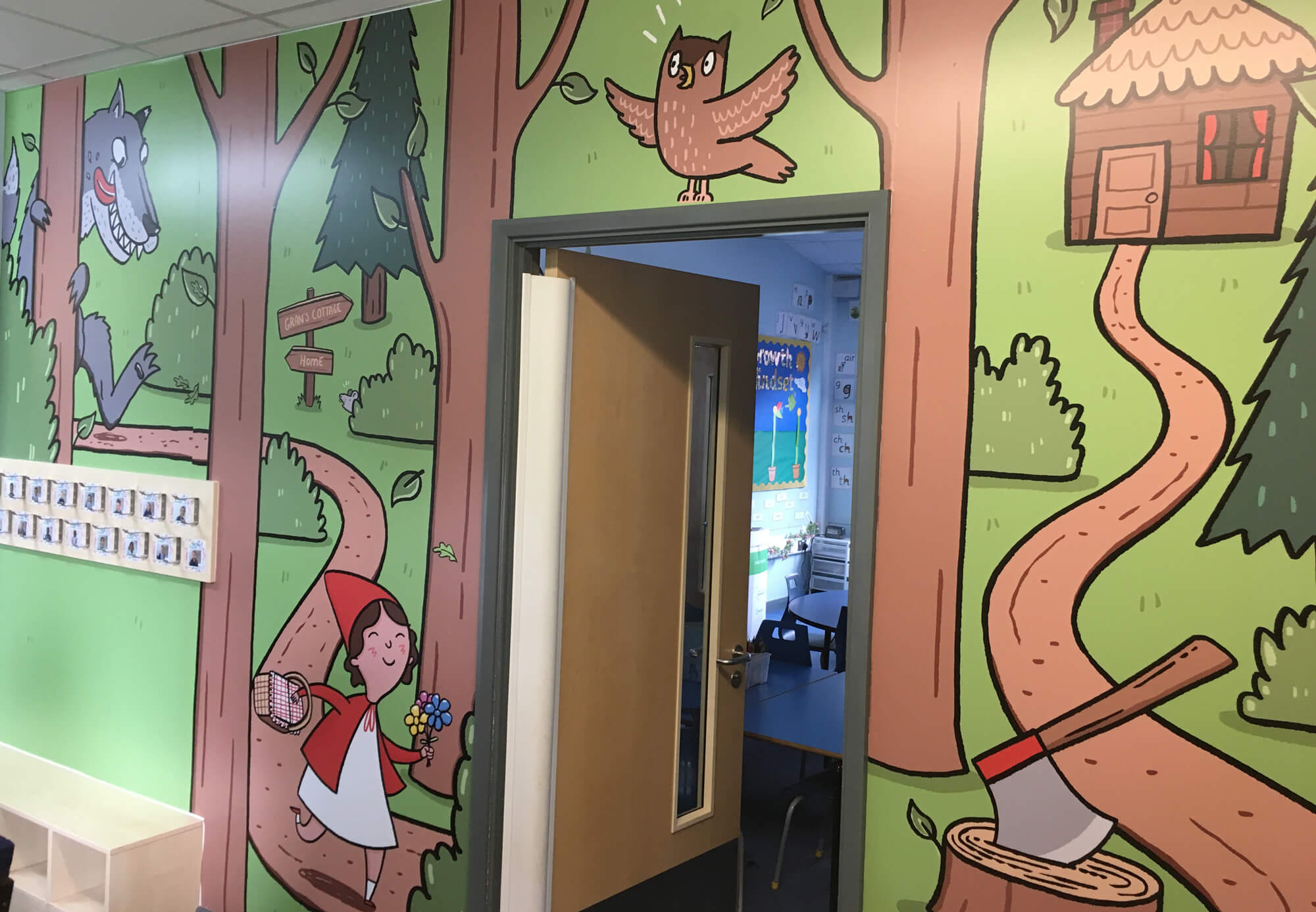 sacred_heart_primary_traditional_tales_wallgraphics_05.jpg