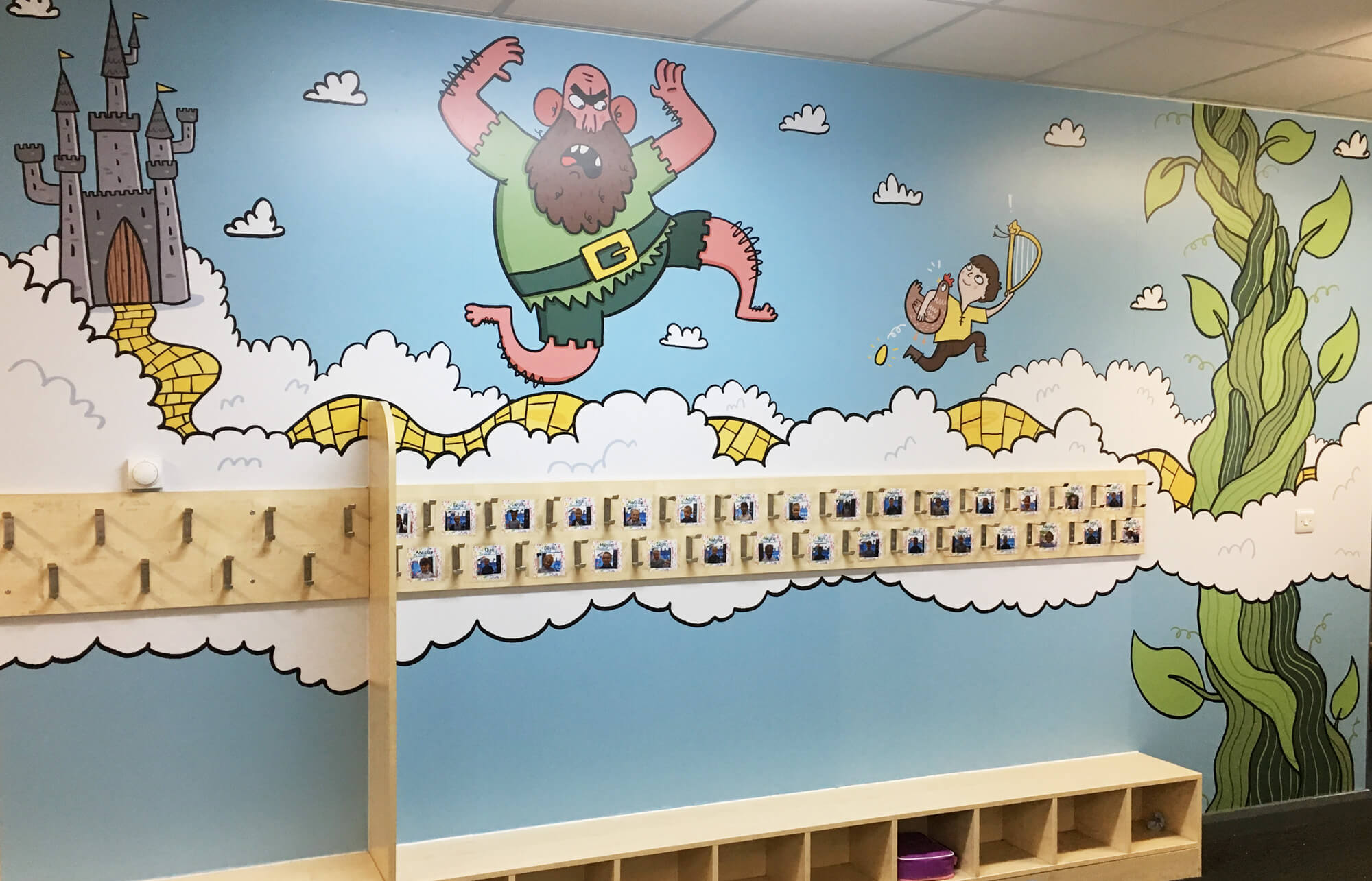 sacred_heart_primary_traditional_tales_wallgraphics_07.jpg